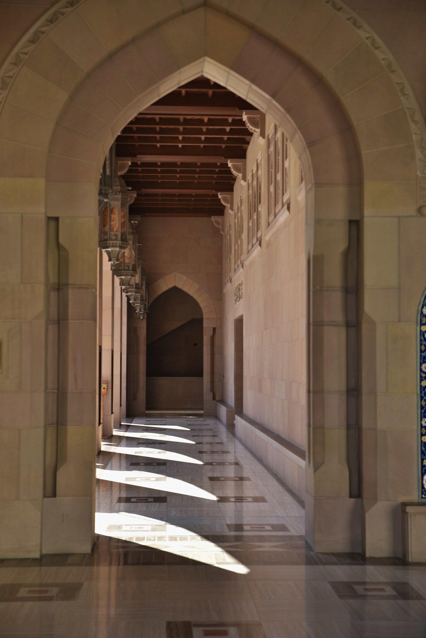 Seitlicher Säulengang