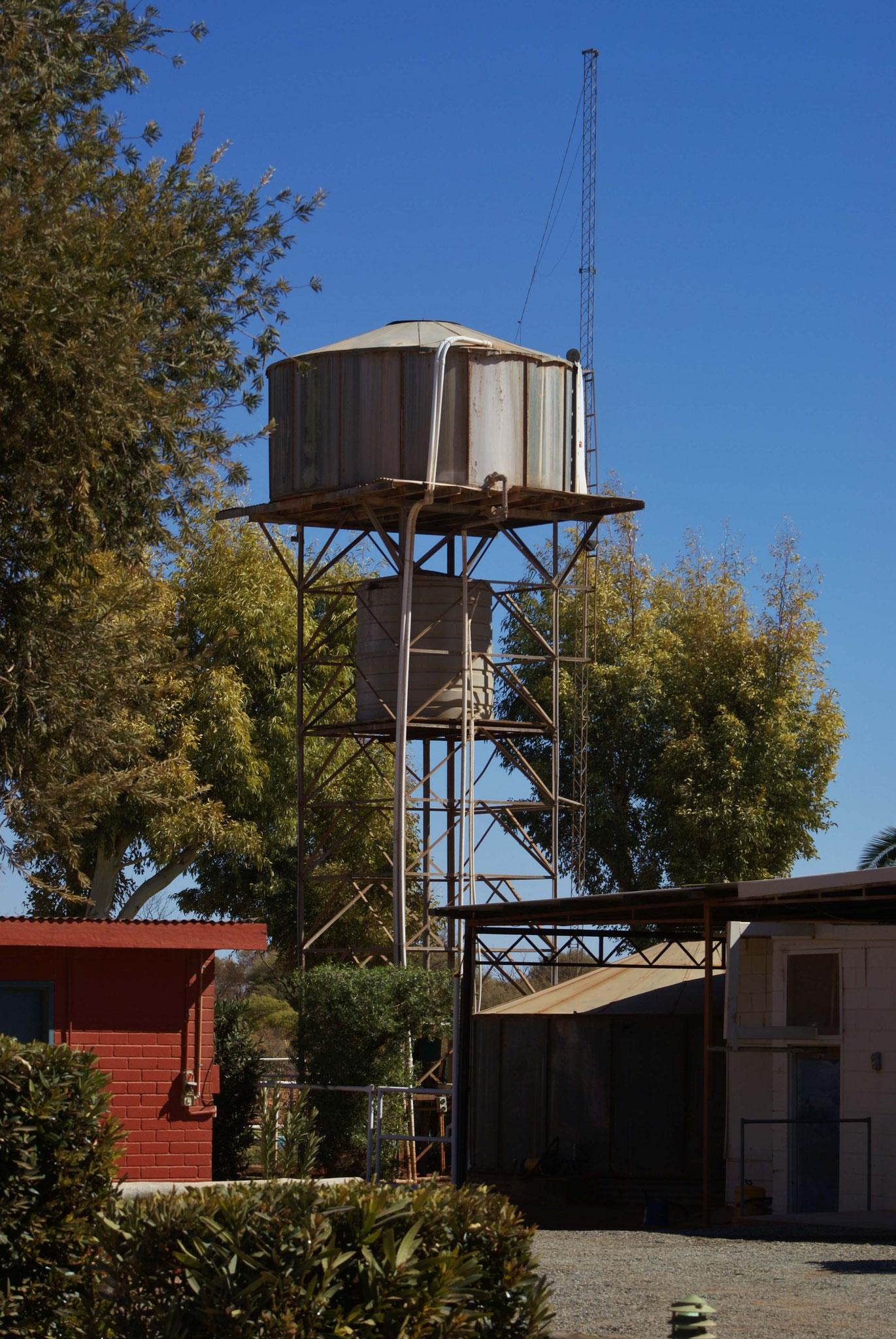 Wassertanks sind im Outbank überlebenswichtig