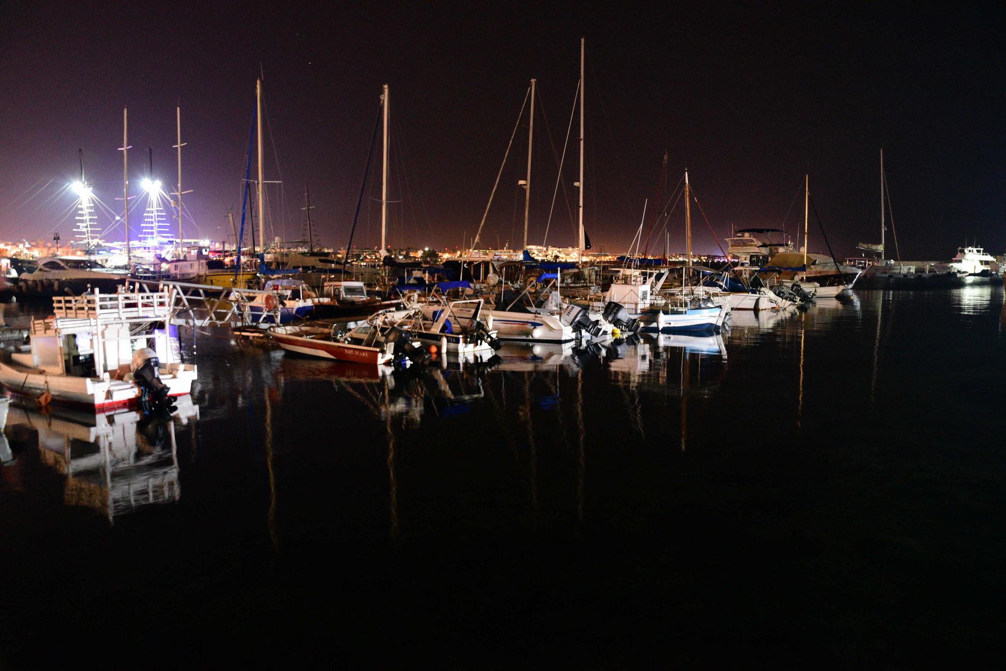Boote im Licht von Páfos