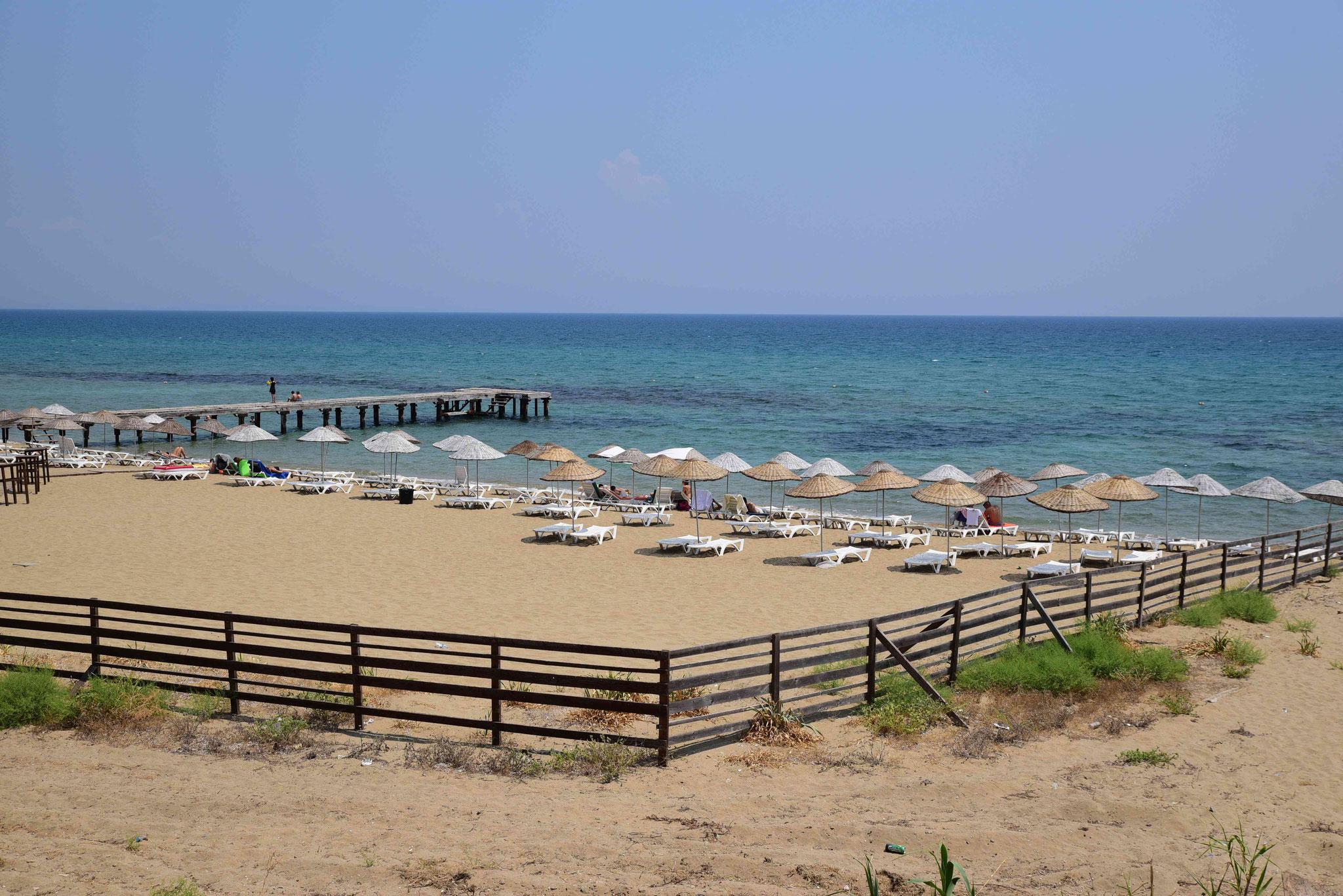 Der bewachte Strand bei Sálamis