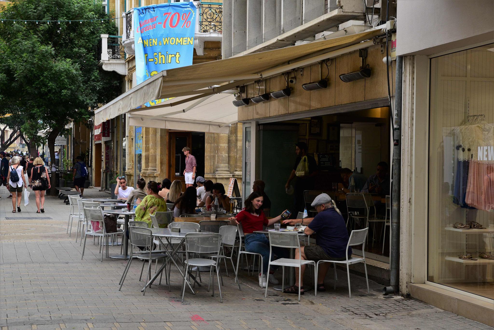 Café, Wirtschaften - immer gleich was um die Ecke