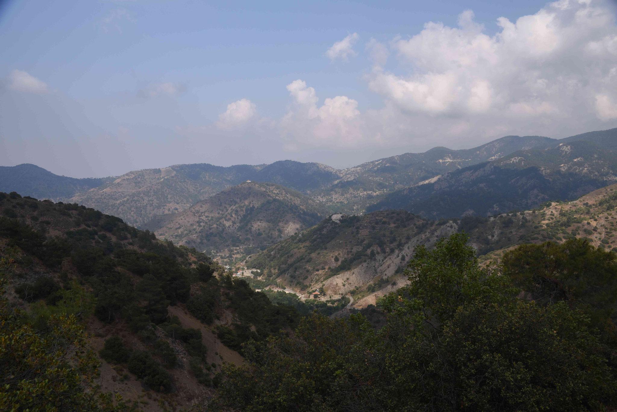Blick über die Berge Zyperns I