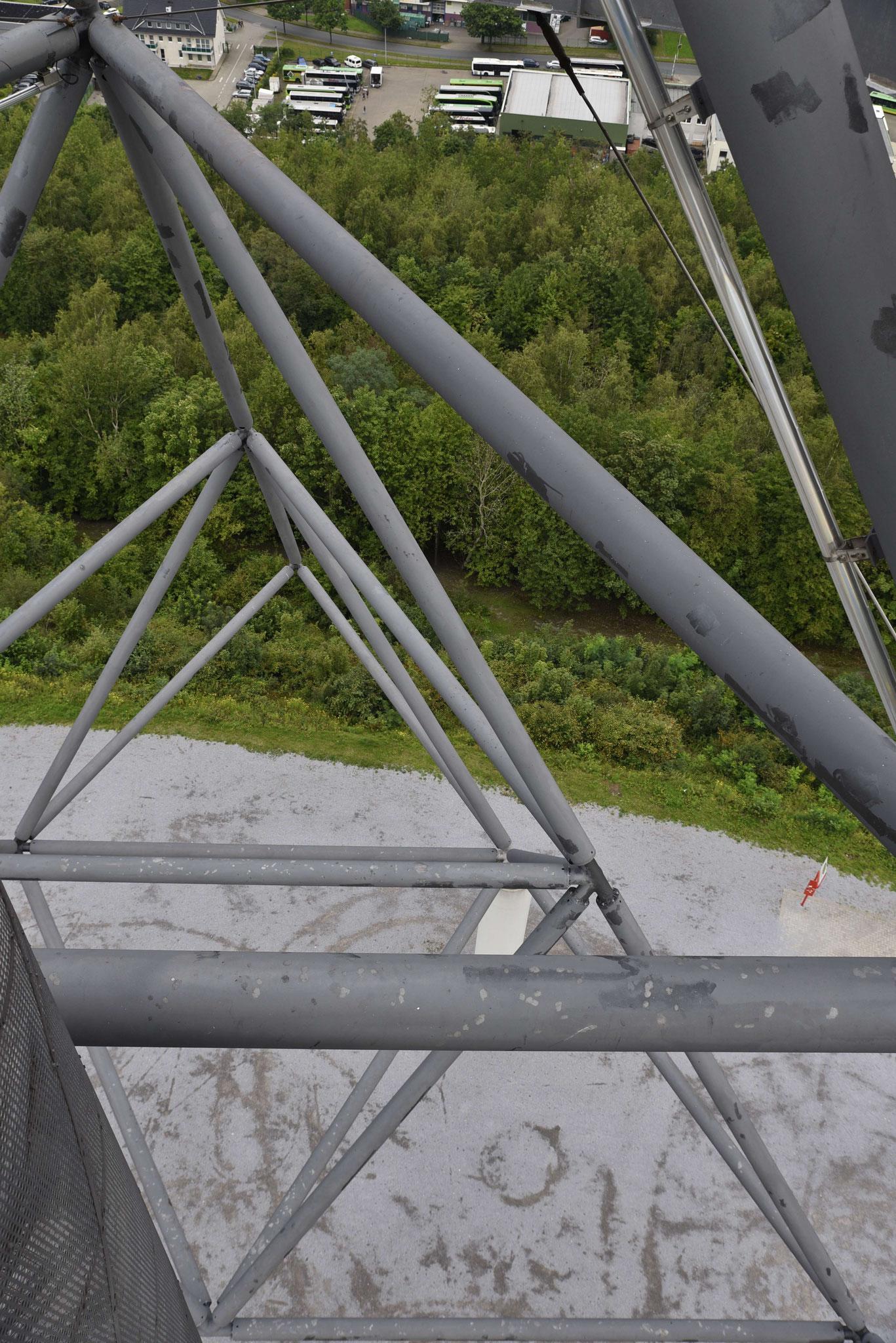 Blick vom Tetraeder Bottrup auf das Fundament