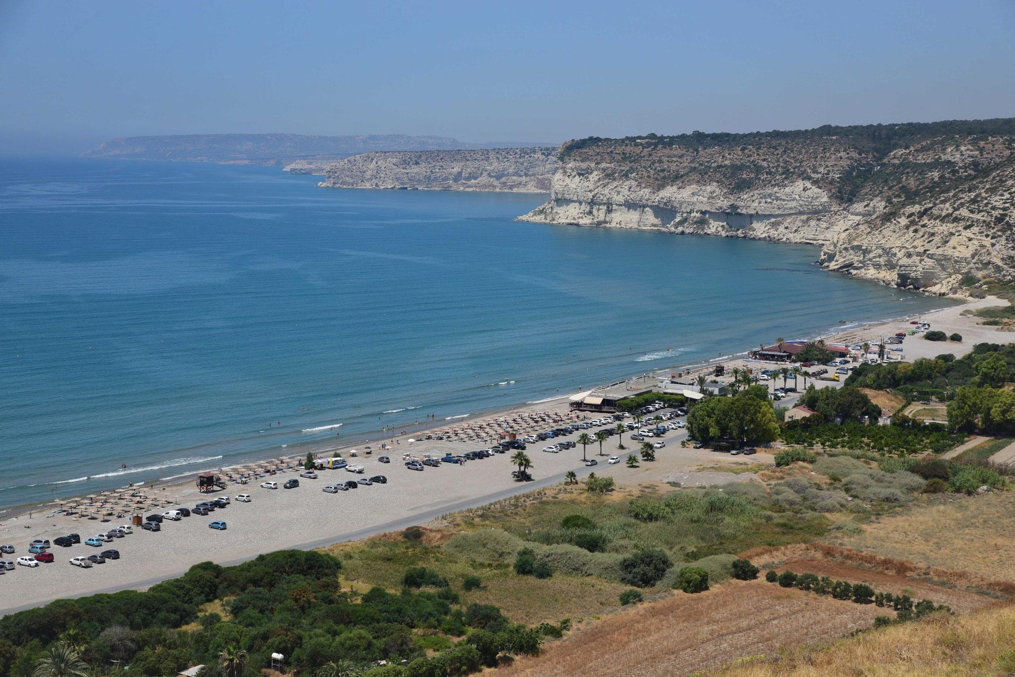 Von der Ausgrabungsstätte Koúrion: Blick über den Küstenabschnitt