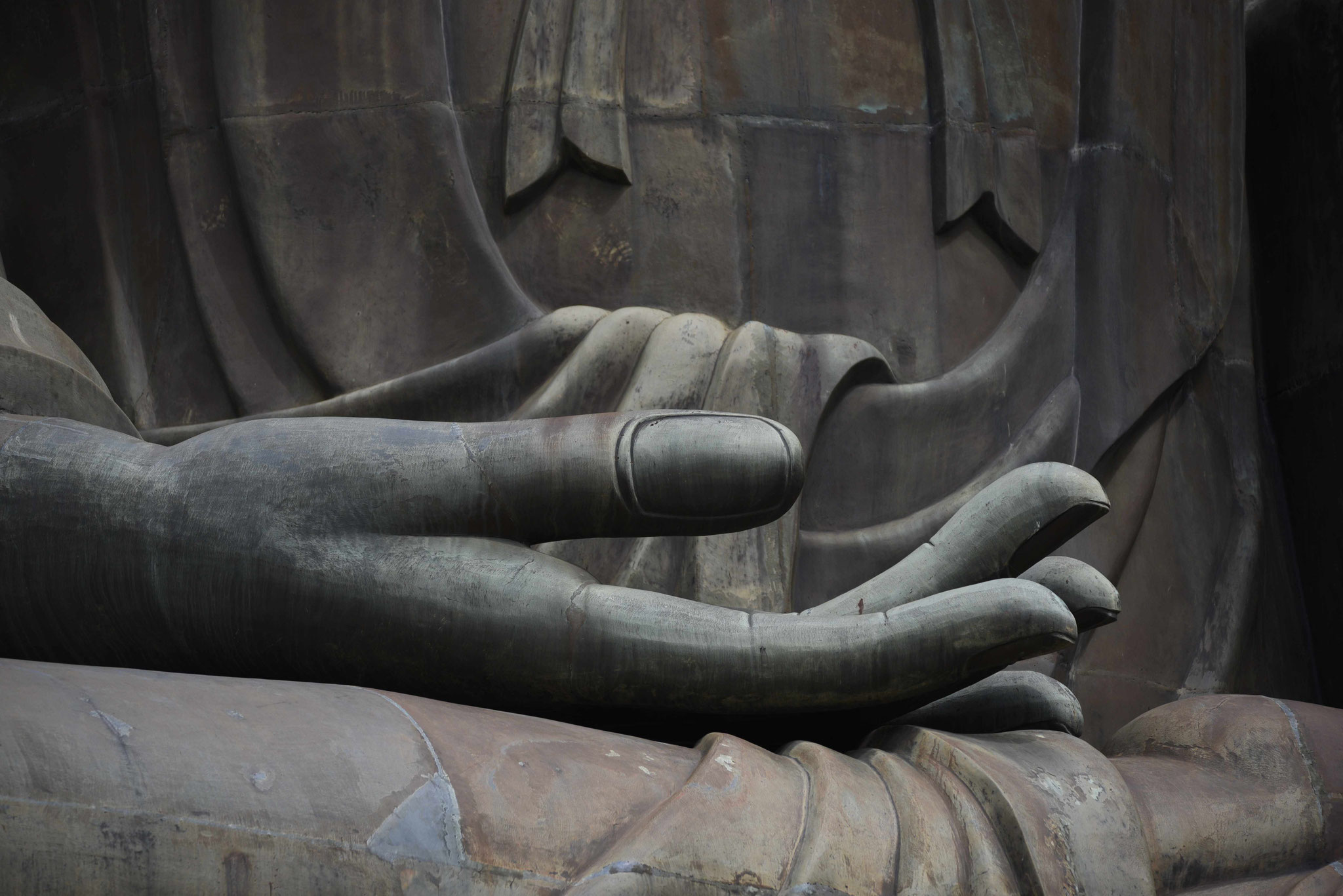 Übergroße, gütige Hand