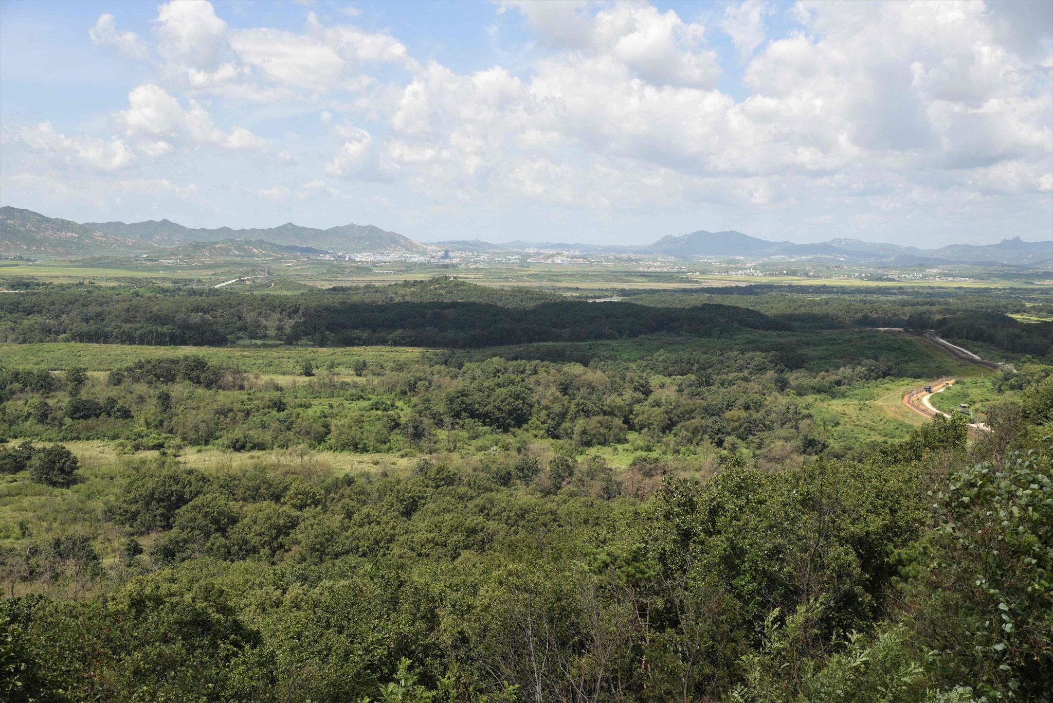 Blicke auf das Grenzgebiet beim Dora-Observatorium