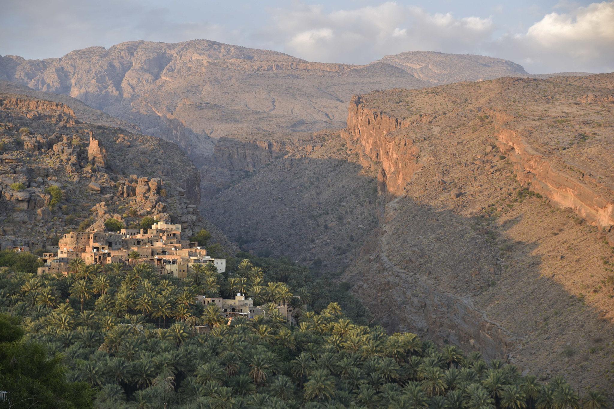 Blick auf Al Misfah Al Abriyeen