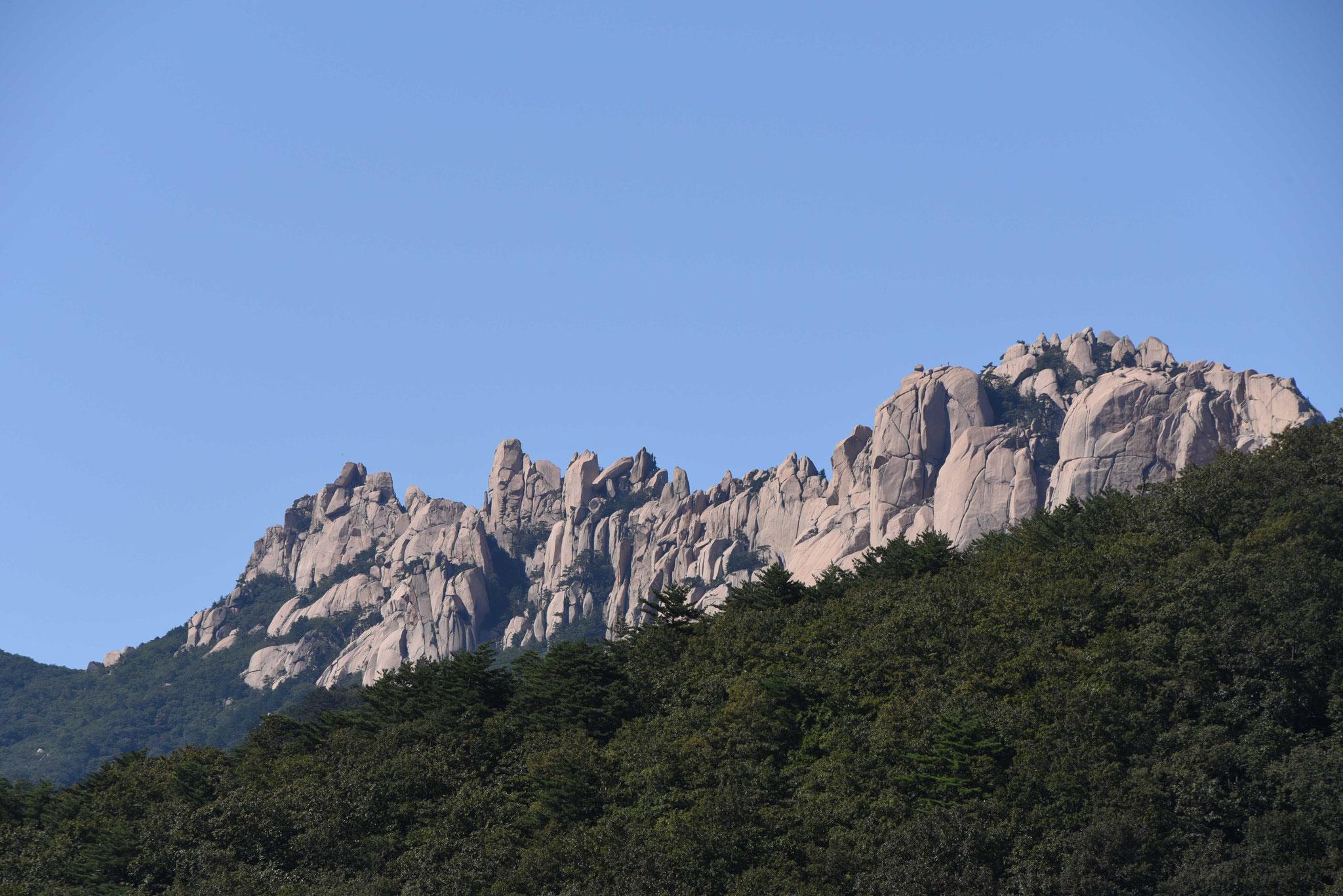 Schöne Bergkette