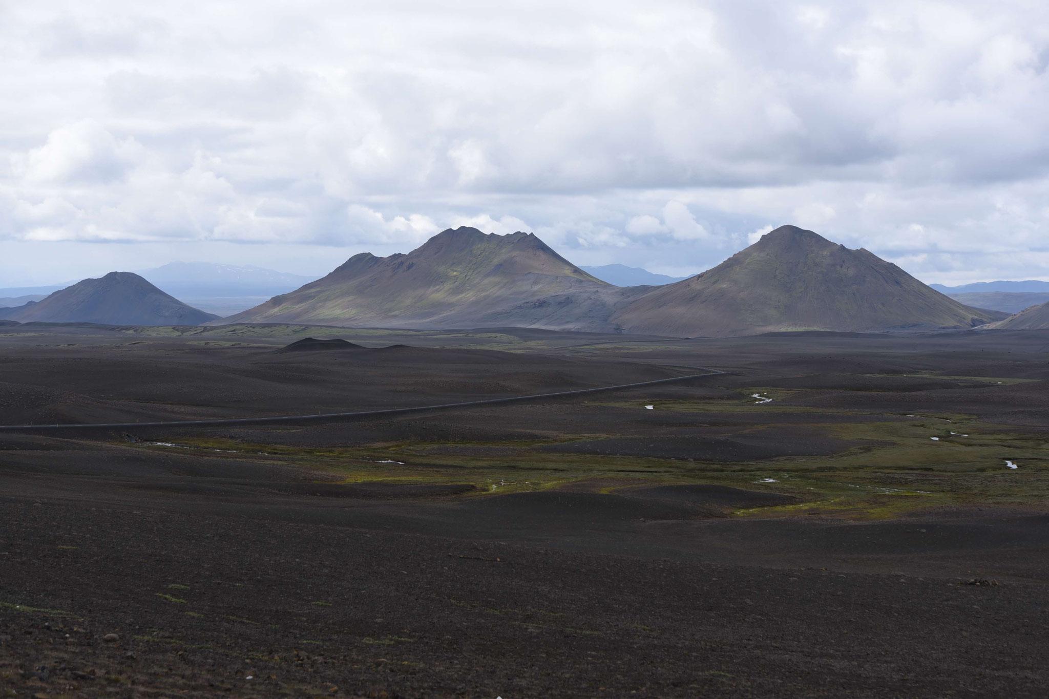 Ringstraße zwischen Egilsstadir und Reykjalid