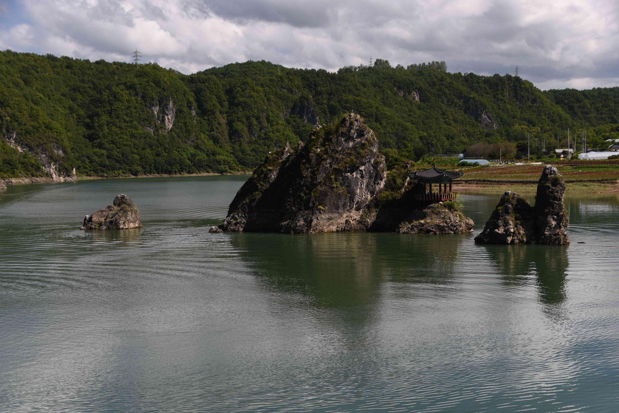 Andere Perspektive auf die Dodam Rocks