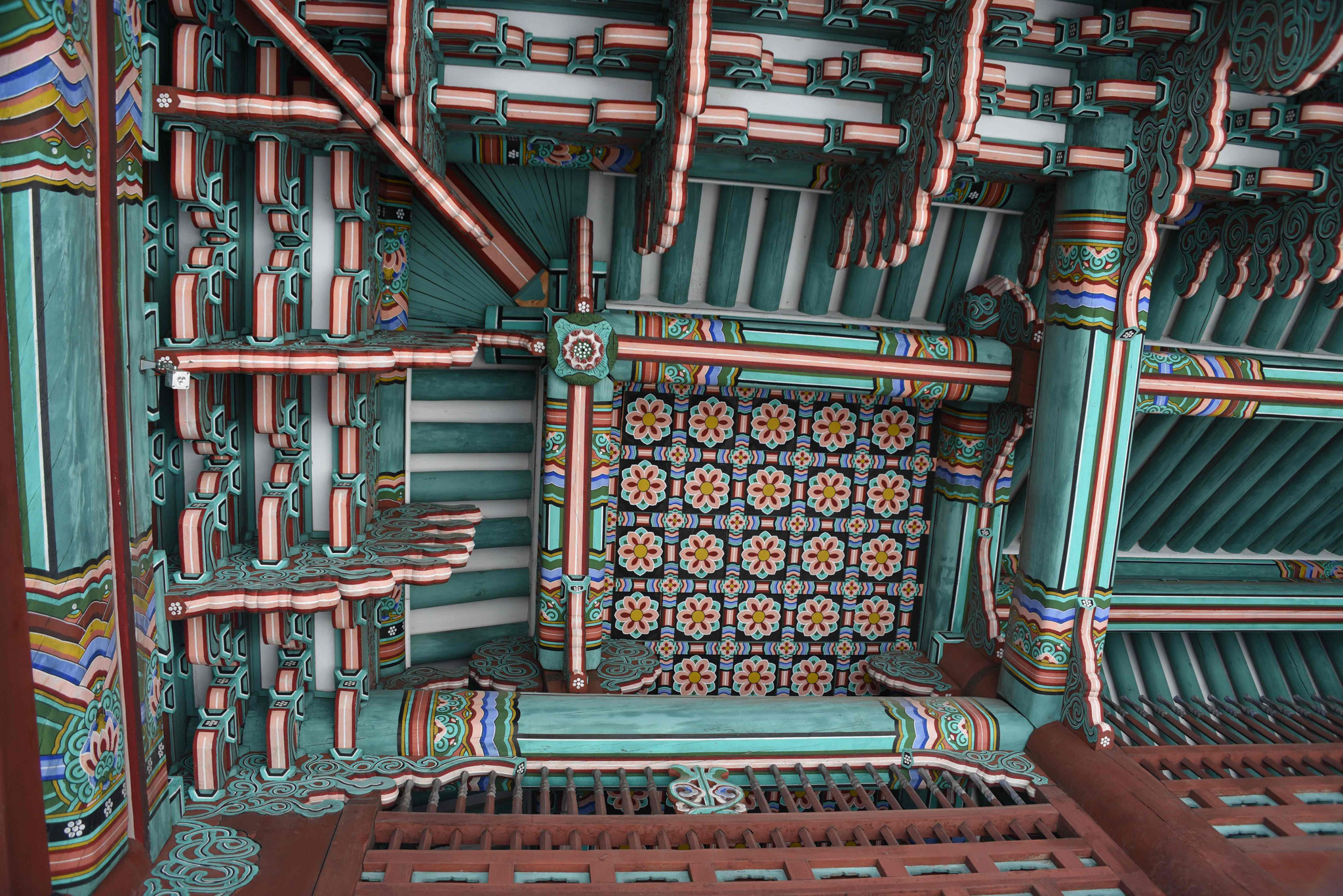 Dachunterkonstruktion des Haupttors Daehanmun