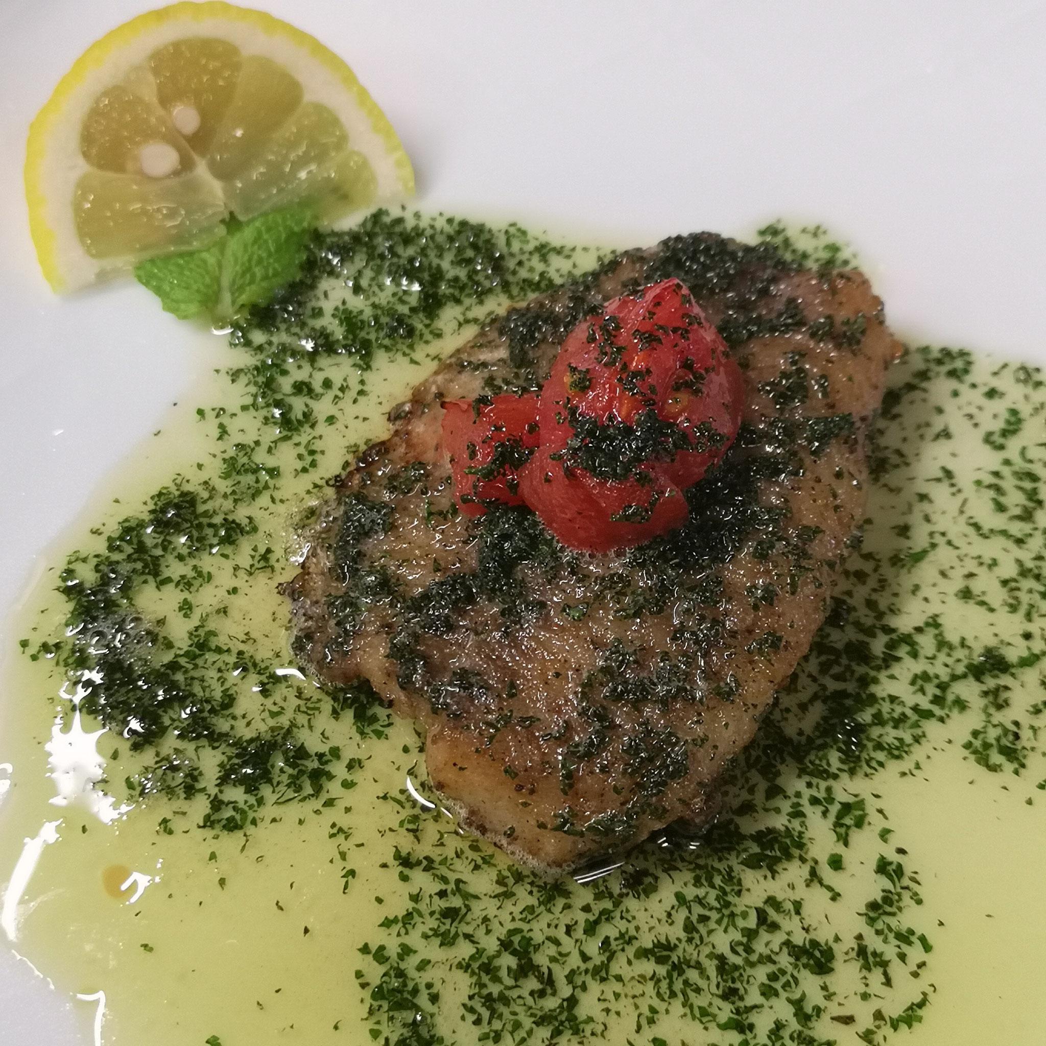 岐阜県美濃市 スモーク料理 燻製料理 レストラン 笑わず ランチタイム ディナーメニュー