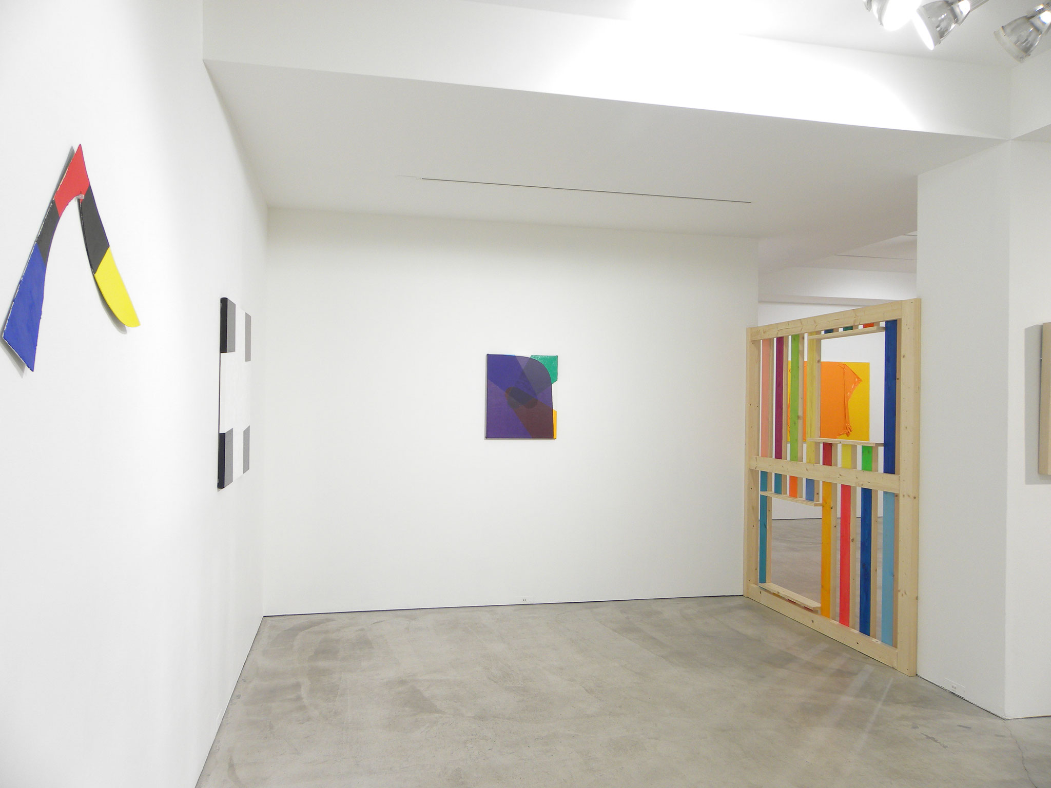 "Installation view of the 2017 exhibition : ""ignore your perspective 38 ""Transient Color"" Katsuhisa Sato / Haruna Shinagawa / Marie Takeda"", Kodama Gallery, Tokyo"