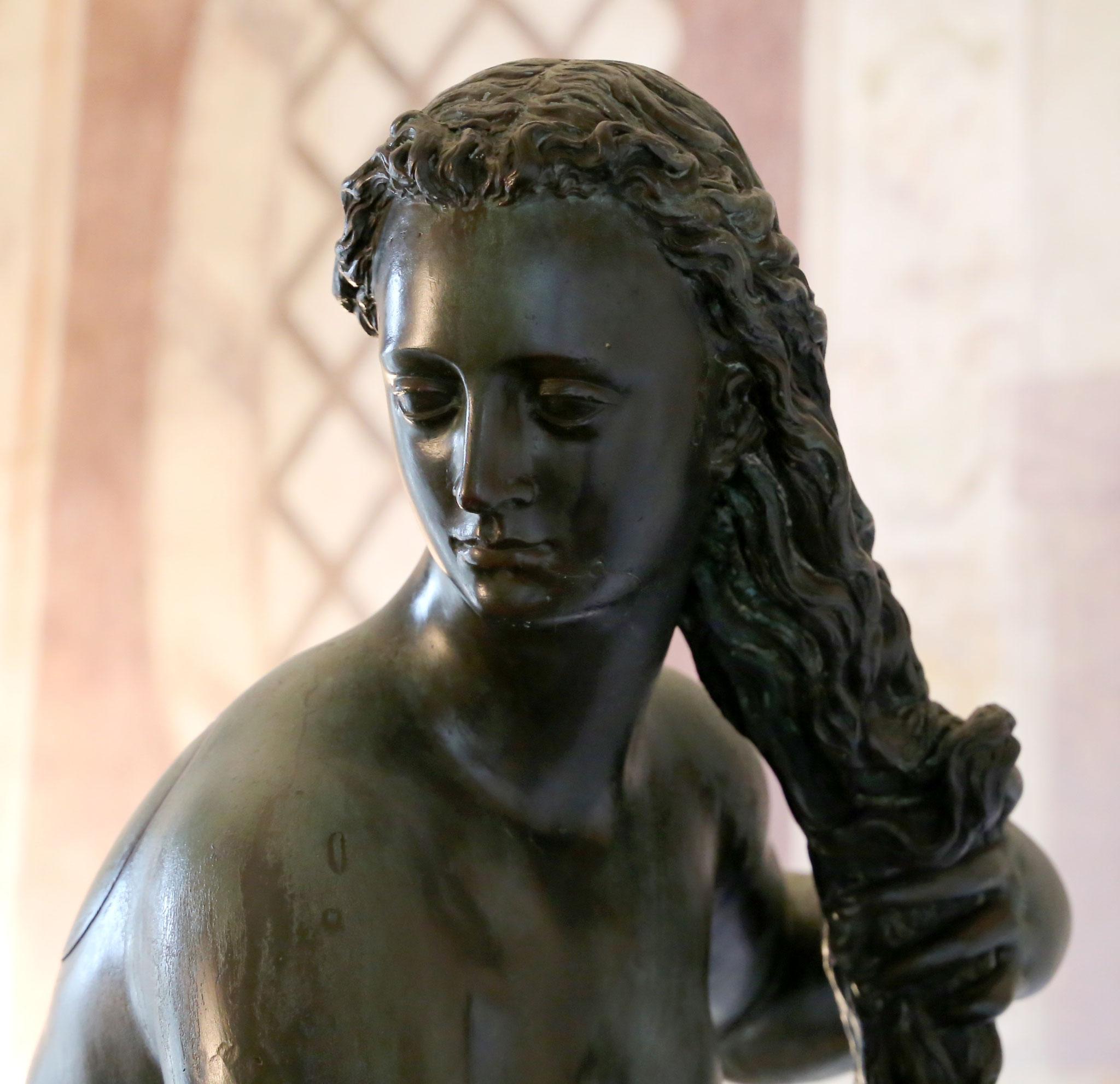 Sailko, Giambologna, fiorenza come venere anadiomene del 01, CC BY 3.0