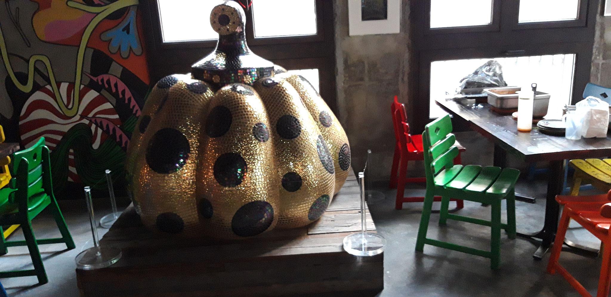 Eine museumswürdige Skulptur von Yayoi Kusama