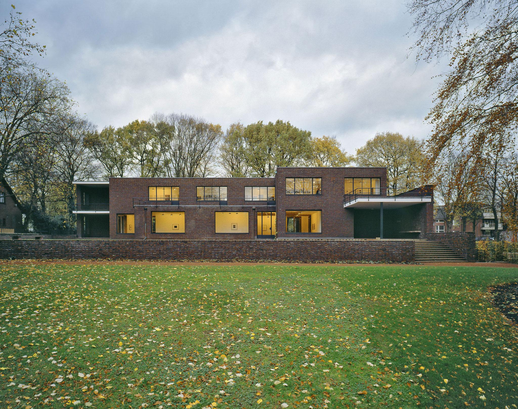 Haus Lange, Gartenseite. Foto: Volker Döhne.