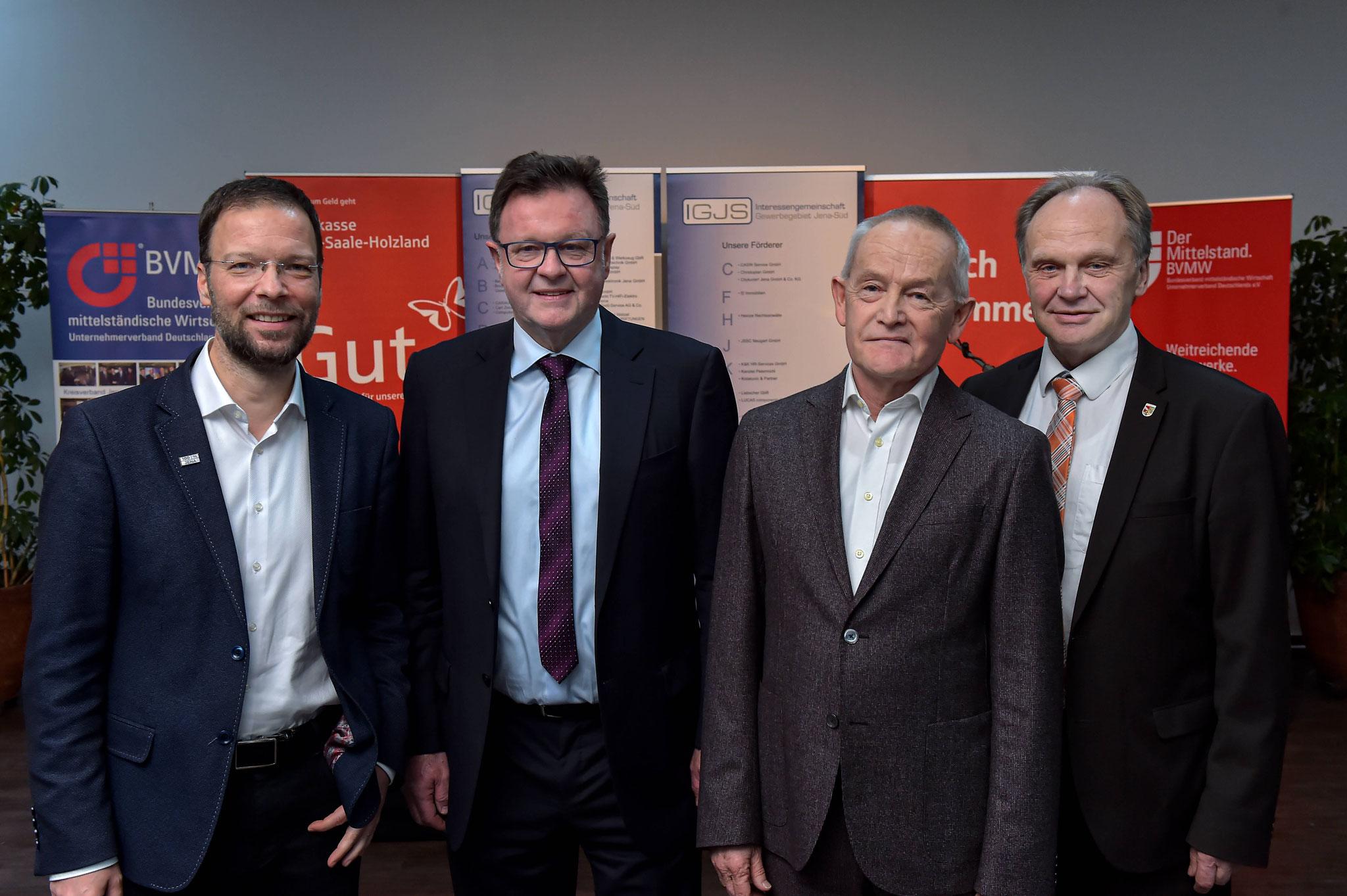 v.l.n.r.:  Dr. Thomas Nitzsche (OB Jena), Frank Heuer (Vorstandssprecher IGJS), Prof. Evehard Holtmann (Gastredner) und Andreas Heller (Landrat Saale-Holzland-Kreis)