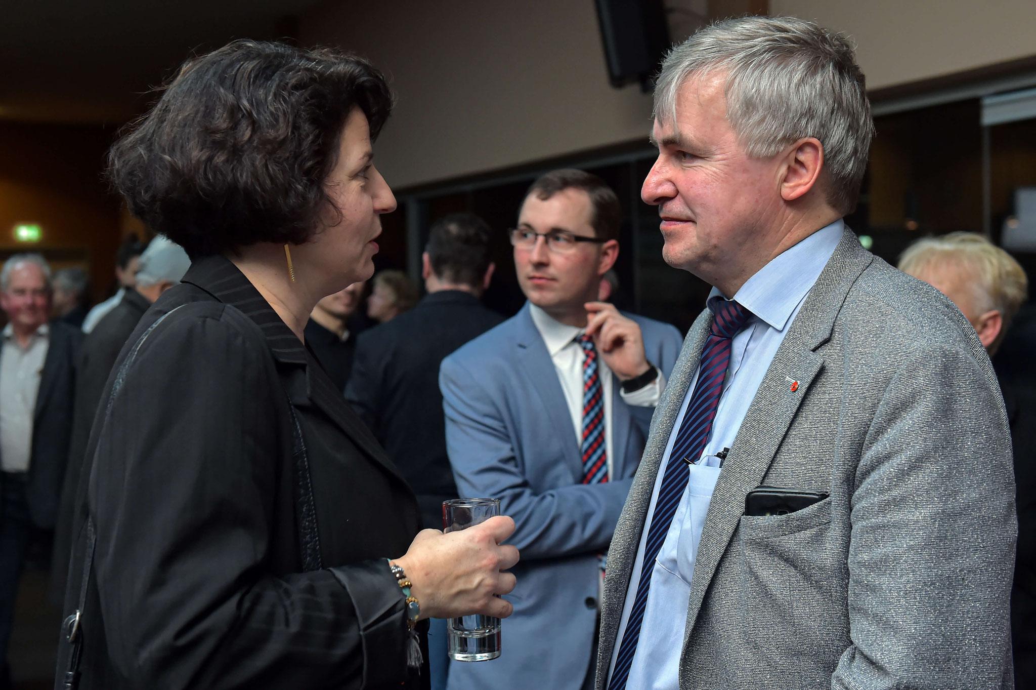 Dietmar Winter vom BVMW (rechts) im Gespräch