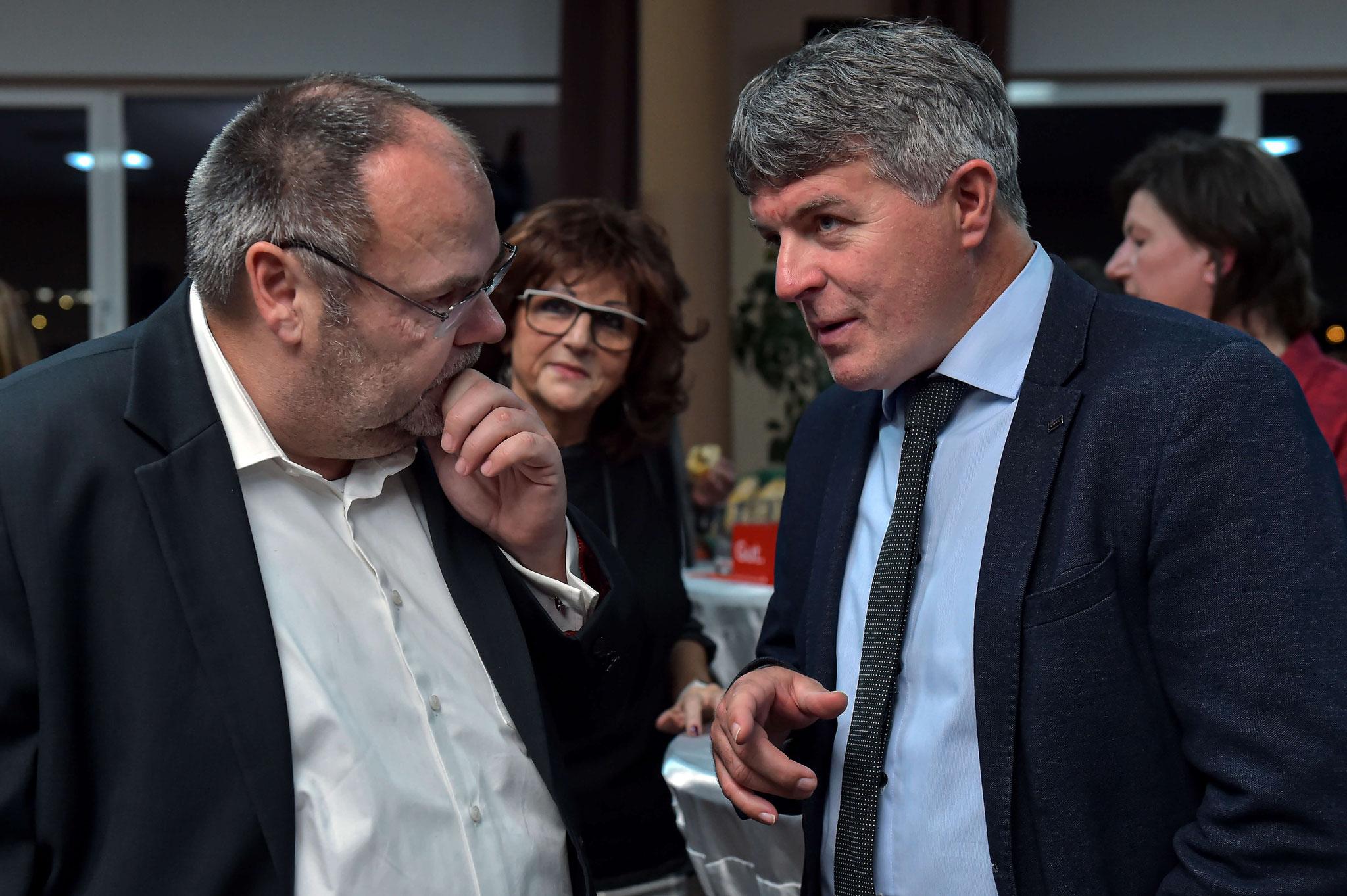 Prof. Teichert (links) im Gespräch mit Holger Fischer
