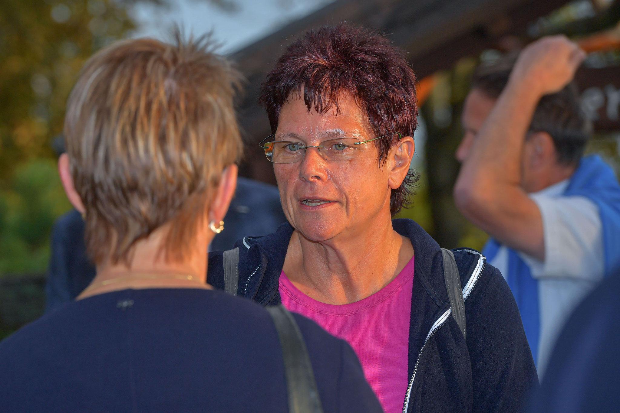 Dr. Ute Bergner im Gespräch mit Gästen