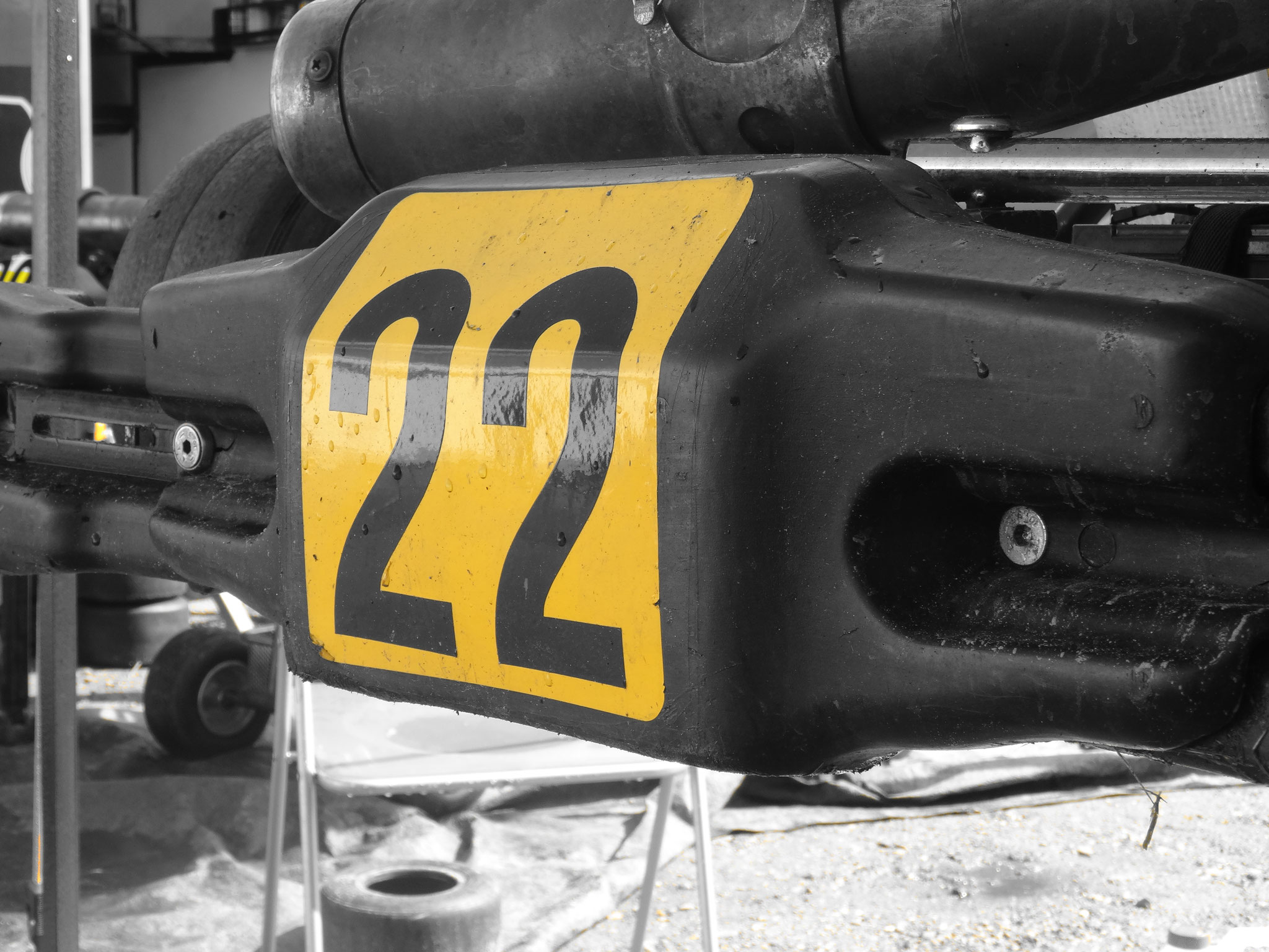 Yes eindelijk startnummer 22 / grootte idool Jenson Button reed hier ook mee