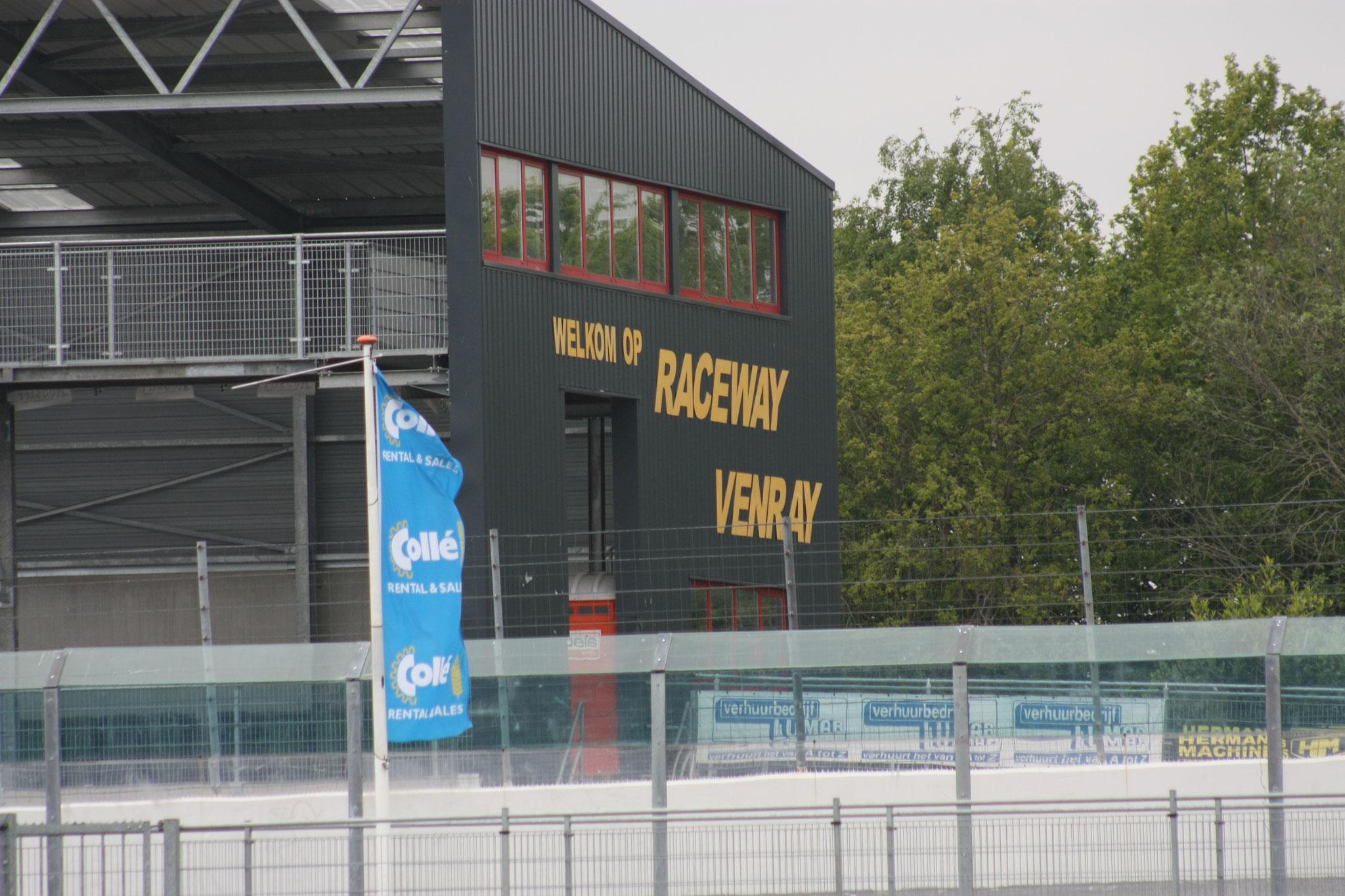 Raceway Venray aller eerste keer dat Mika op deze track rijdt.