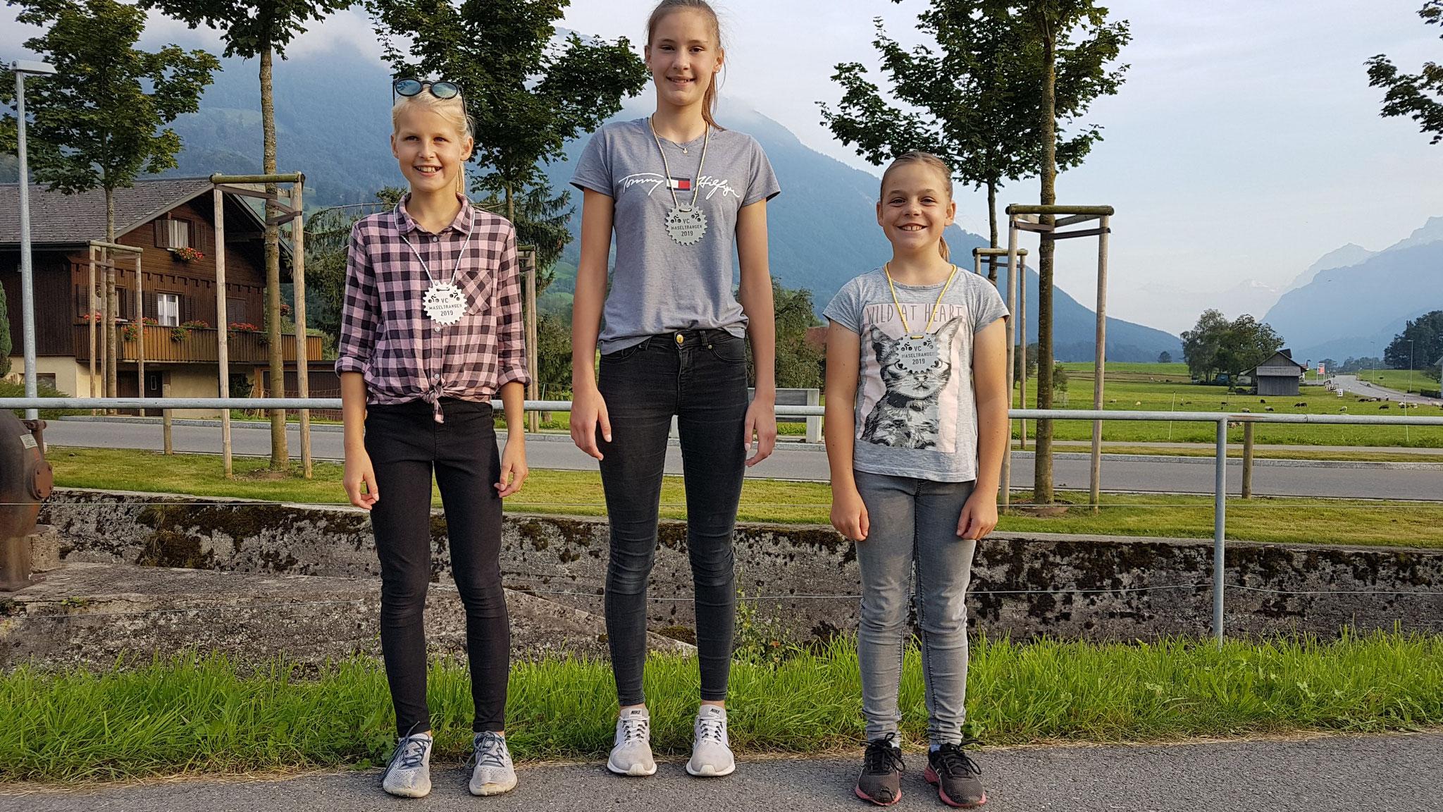 NACHWUCHS MÄDCHEN: 1. Nina Kühne   2. Angelina Zahner   3. Jasmin Steiner