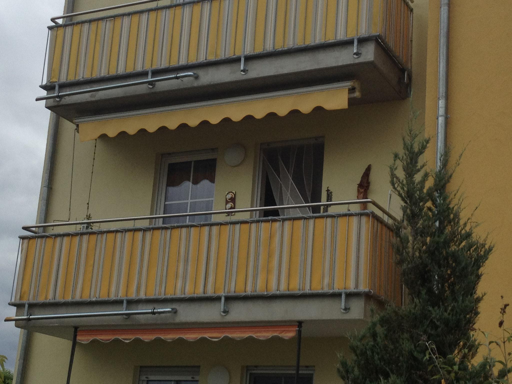 Markise Deluxe Plus und Balkonumrandung