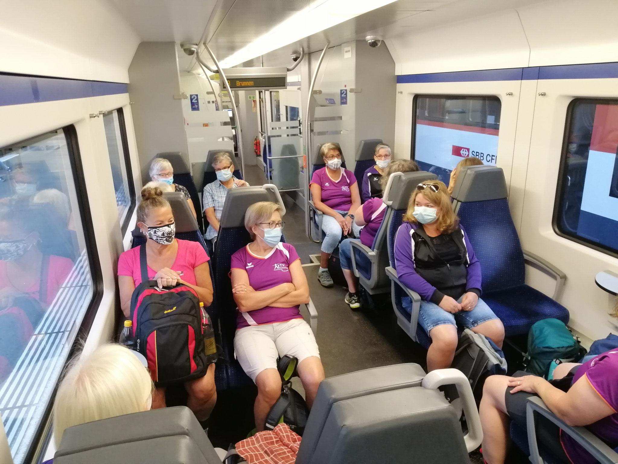 Mit dem Zug sind wir bis Küssnacht am Rigi gefahren.