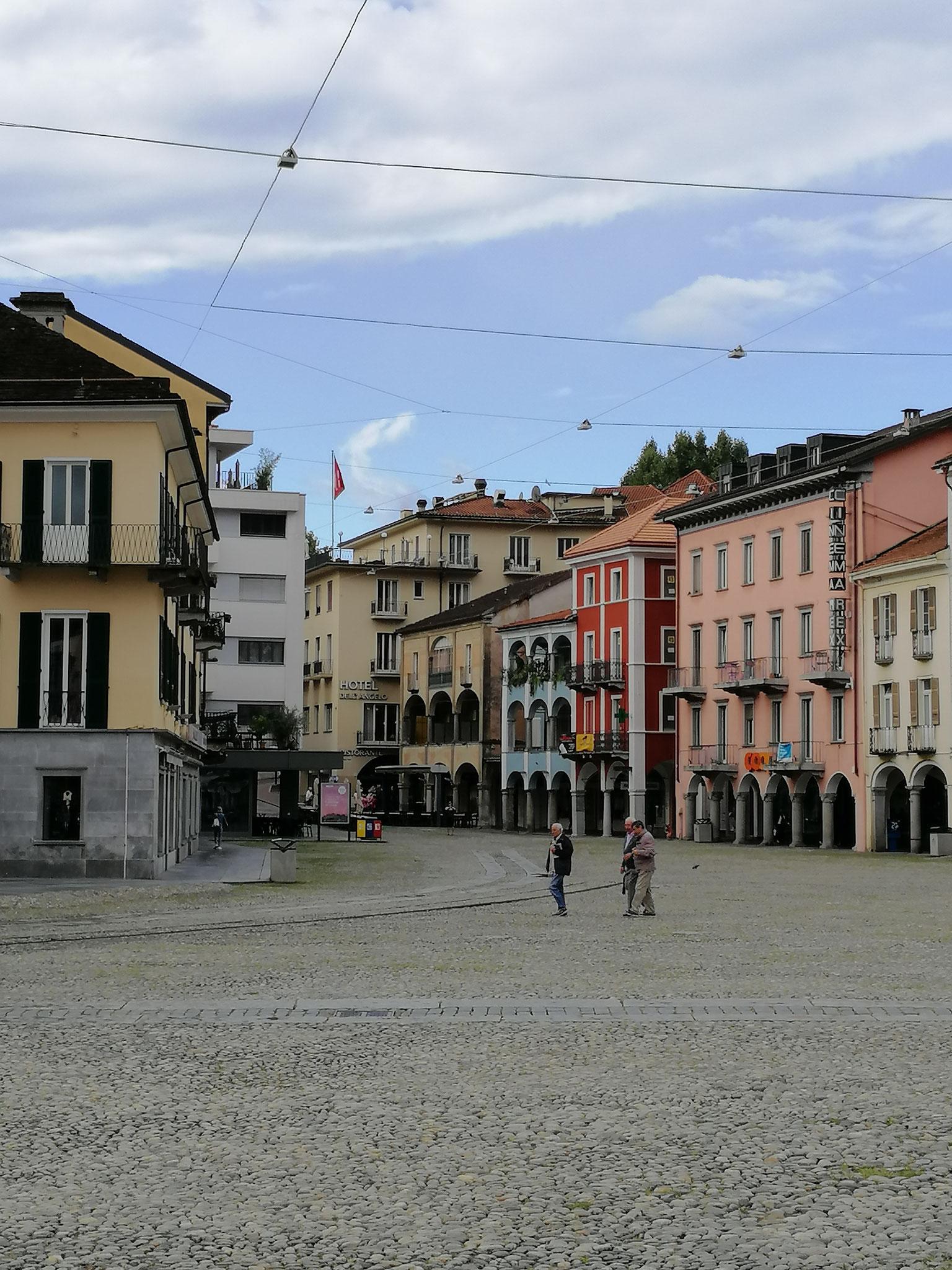 Piazza Grande mit dem Hotel Dell'Angelo