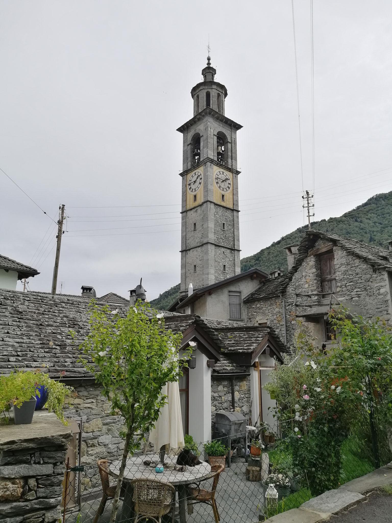 Der höchste Kirchentum im Tessin in Intragna (65 Meter)