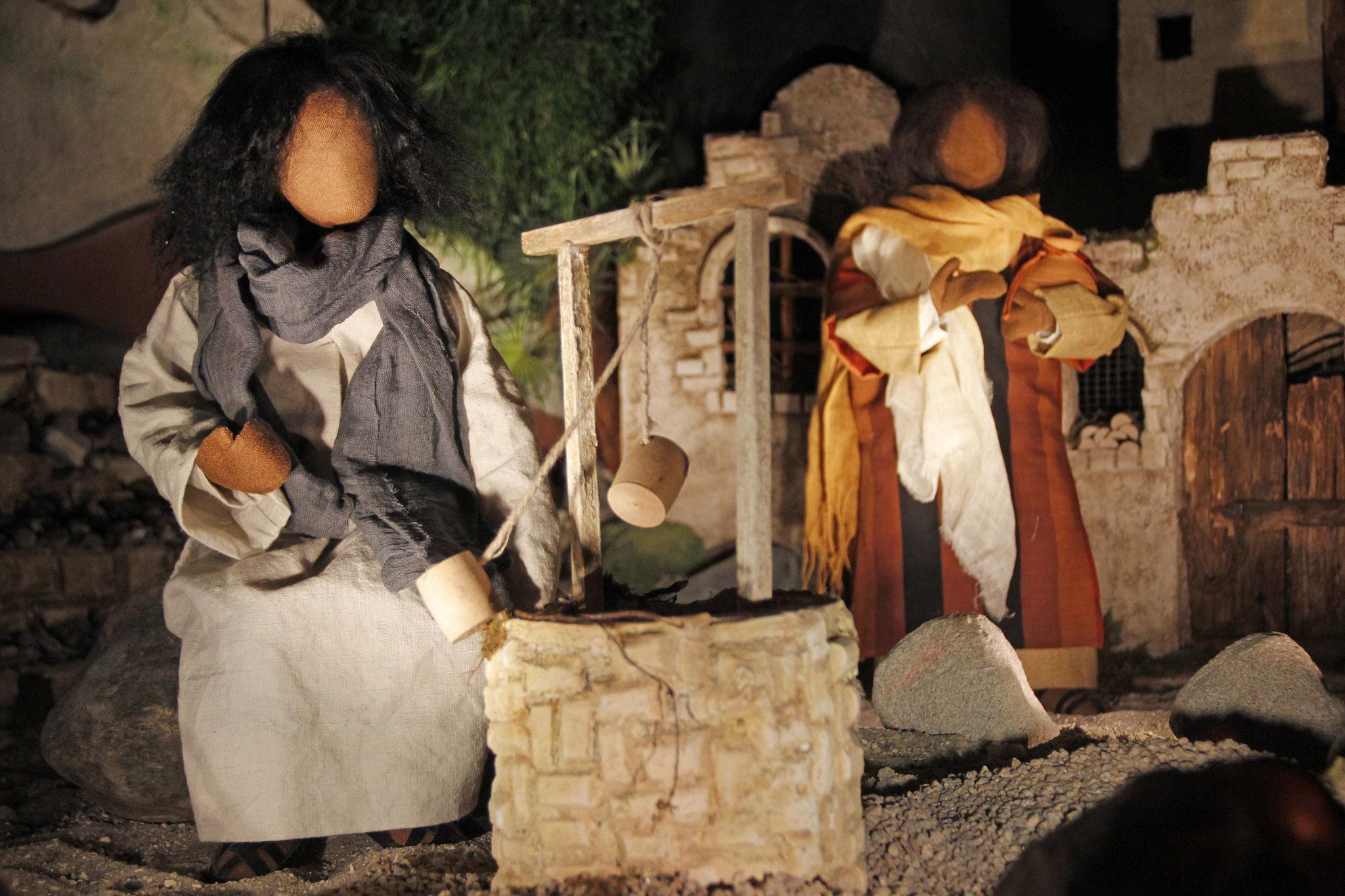 Jesus war müde von der Wanderung und setzte sich an den Brunnen. Da kam eine samaritanische Frau, um Wasser zu holen.