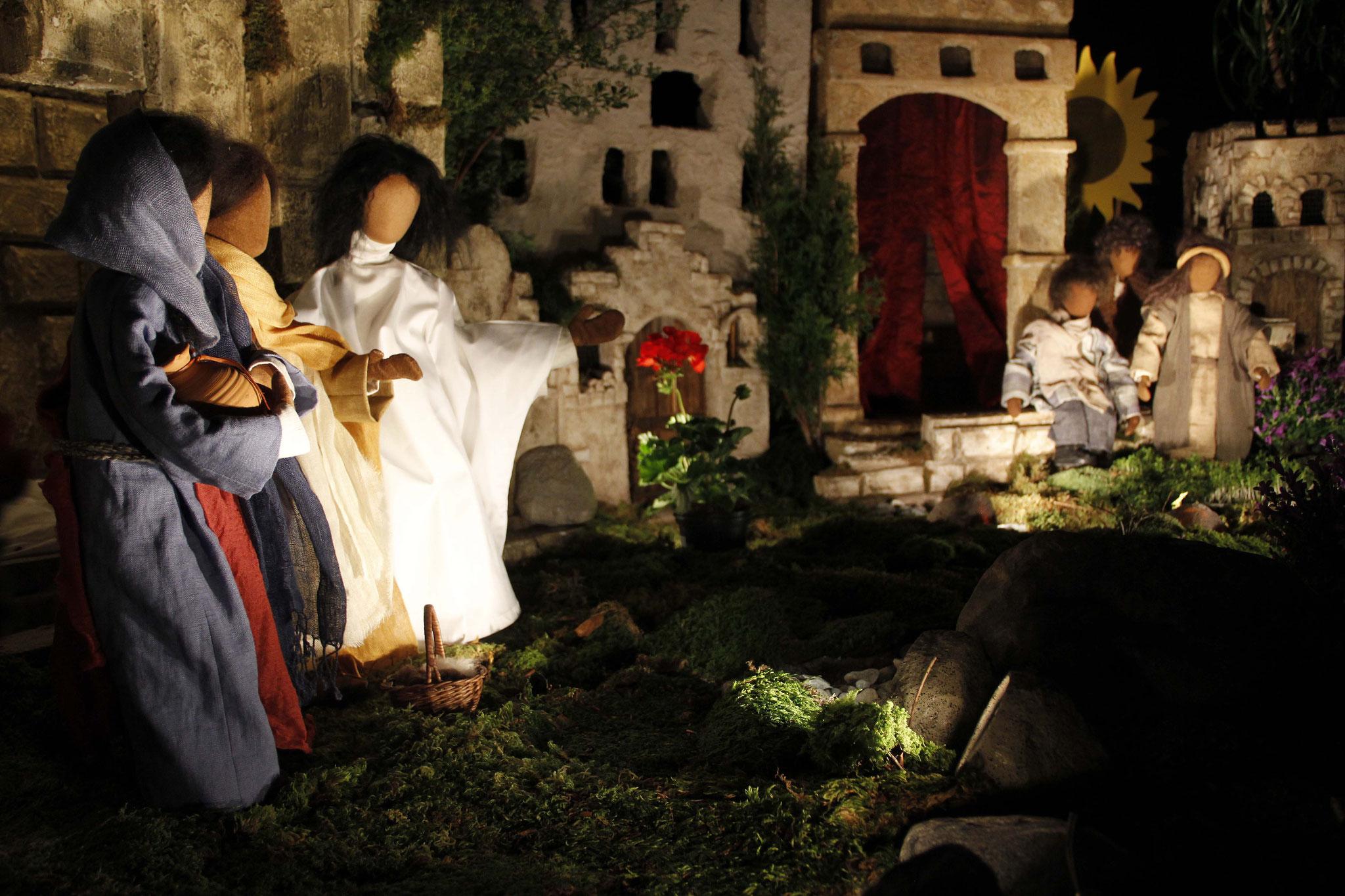 Da sagte Jesus zu ihnen: Fürchtet euch nicht! Geht und sagt meinen Brüdern und Schwestern, sie sollen nach Galiläa gehen, und dort werden sie mich sehen.