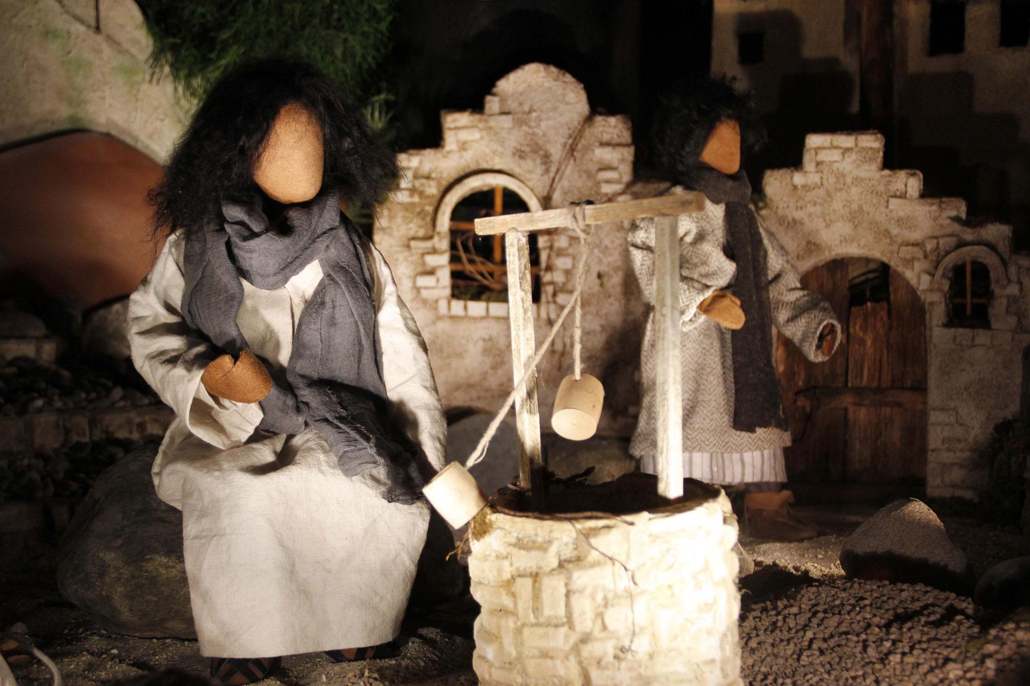 """In dem Ort Sychar befand sich ein Brunnen, der der """"Jakobsbrunnen"""" genannt wurde. Dort schöpften die Menschen der Umgebung Wasser."""