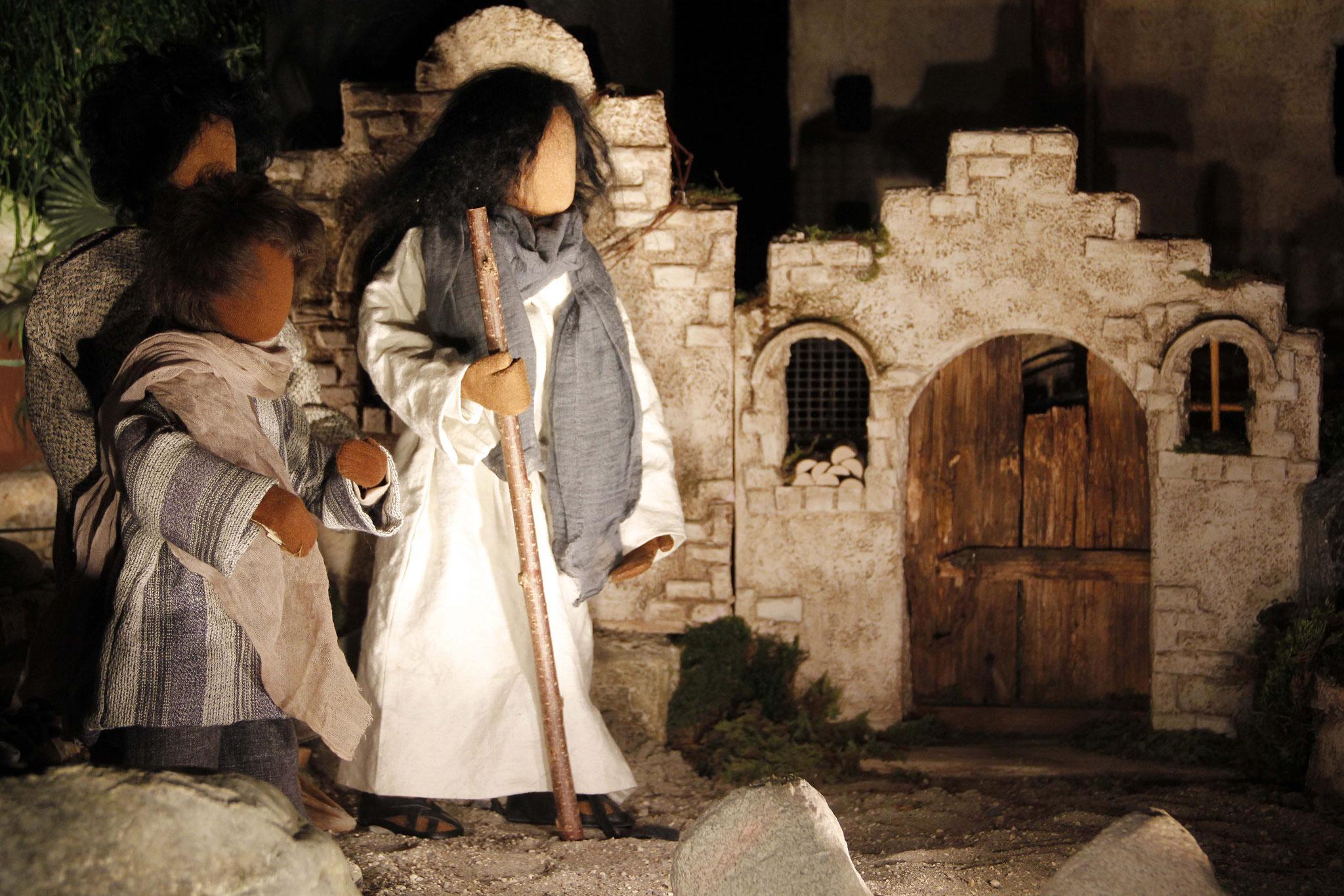 Jesus kam auf seinen Wanderungen zu einem Ort im Land Samarien, der Sychar hiess. Die Leute aus Israel mochten die Menschen aus Samarien nicht.