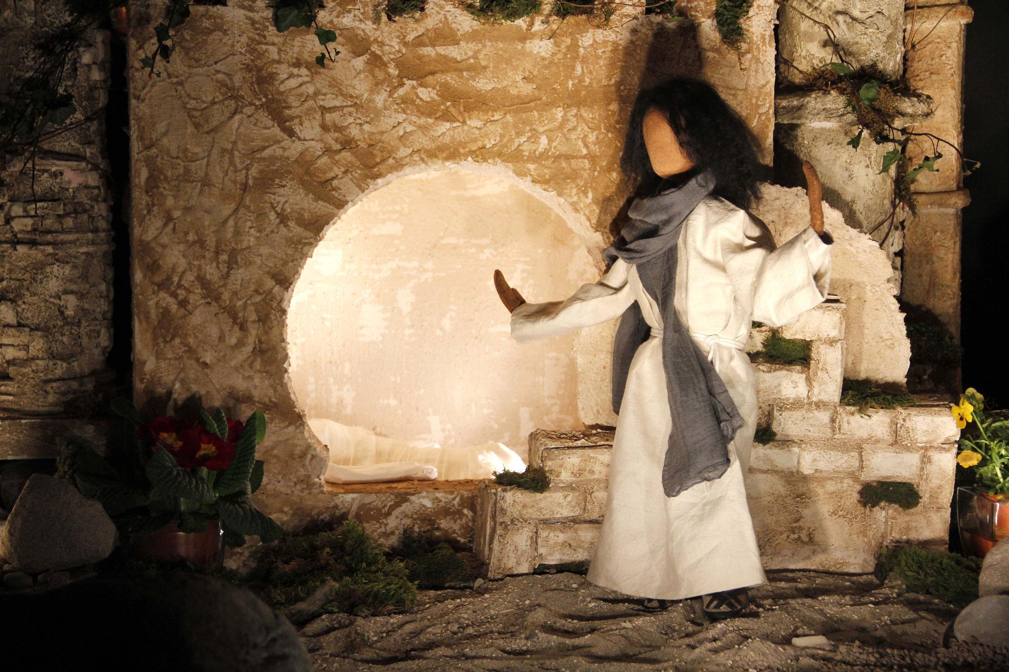 Jesus erhob seine Augen und sprach: Vater, ich danke dir, dass du mich erhört hast. Nachdem er dies gesagt hatte, rief er mit lauter Stimme: Lazarus, komm heraus!
