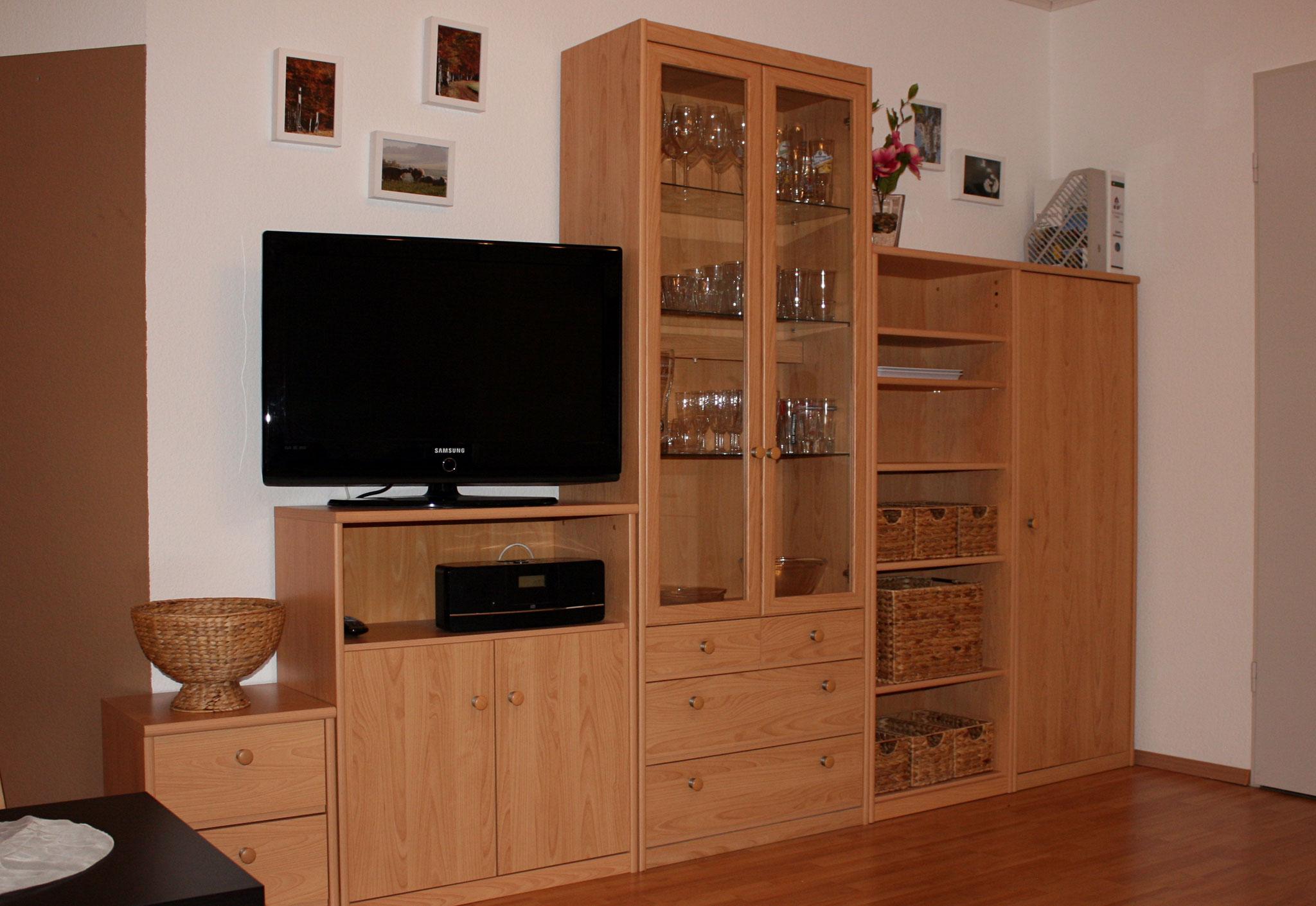 TV / Radio / Stauraum