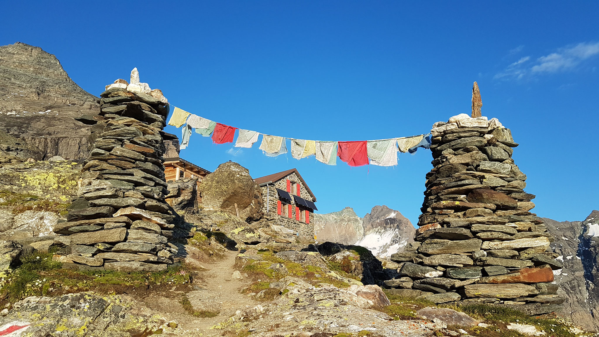 Valsorey Hütte am Grand Combin – mit etwas Nepal-Feeling