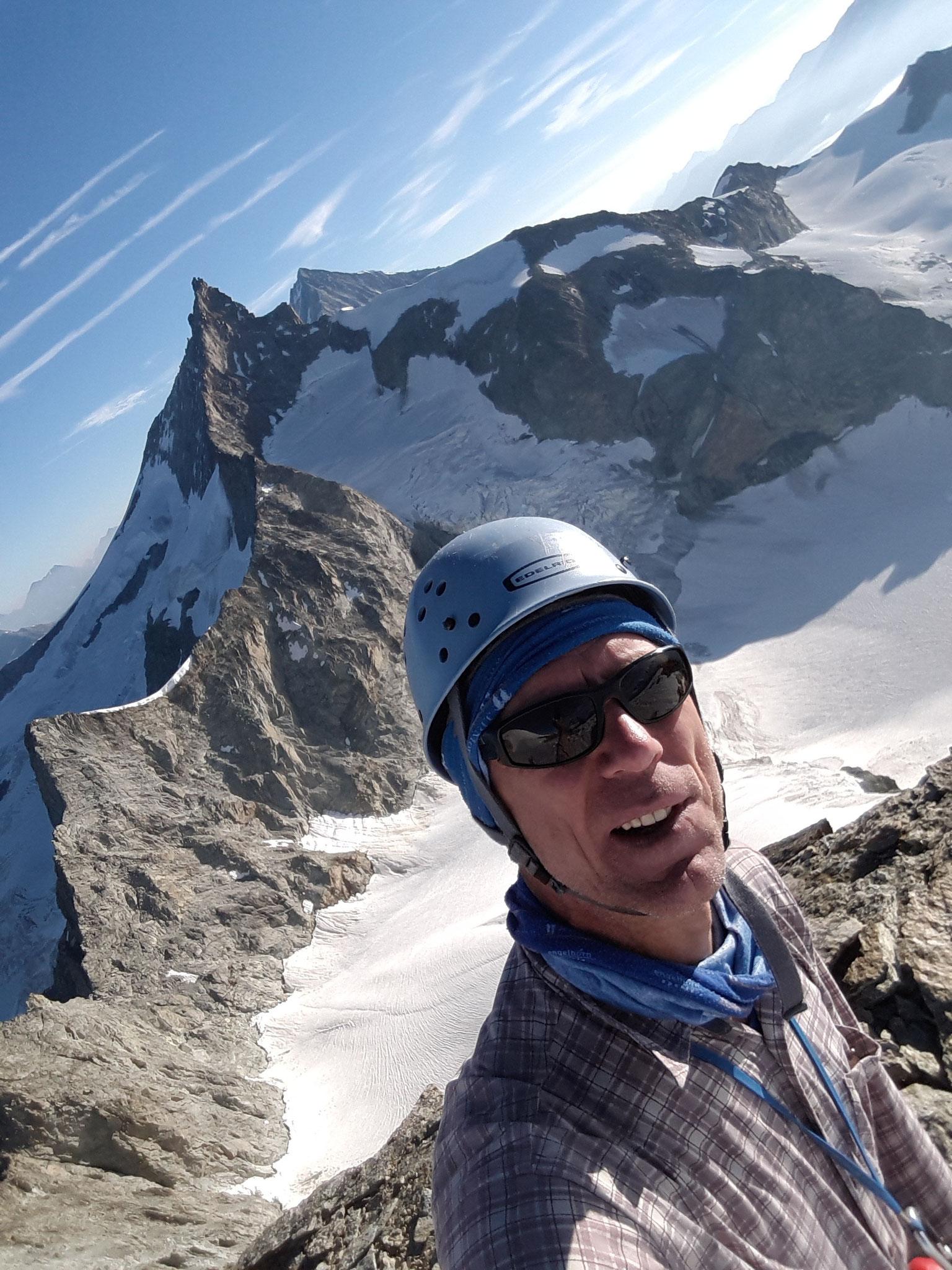 Plateau vor Wellenkuppe-Blick zum Zinalrothorn-3800m