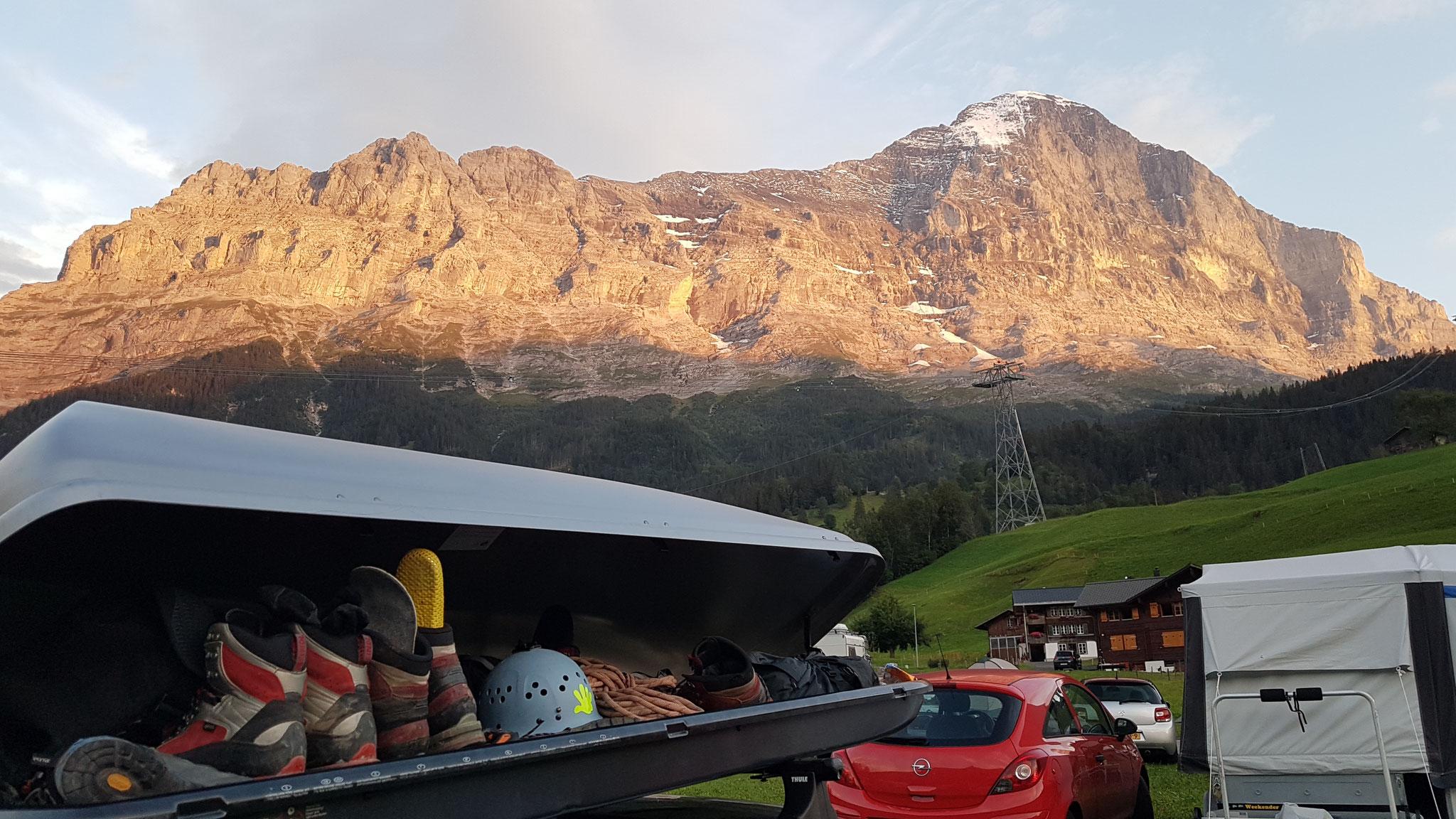 Blick vom Campingplatz Eigernordwand in Grindelwald in die Eiger-Nordwand