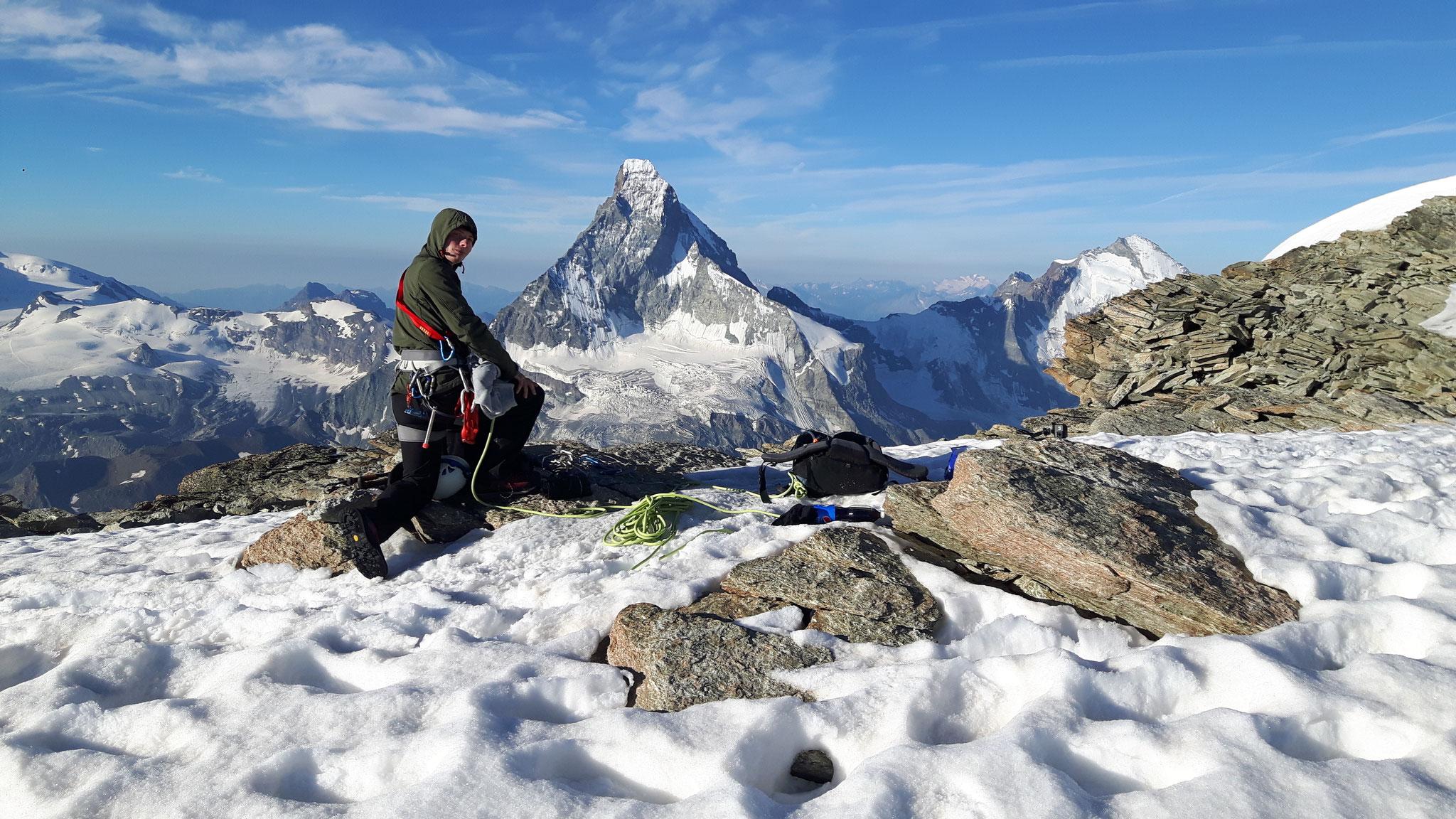 Plateau vor Wellenkuppe-Blick zum Matterhorn-3800m