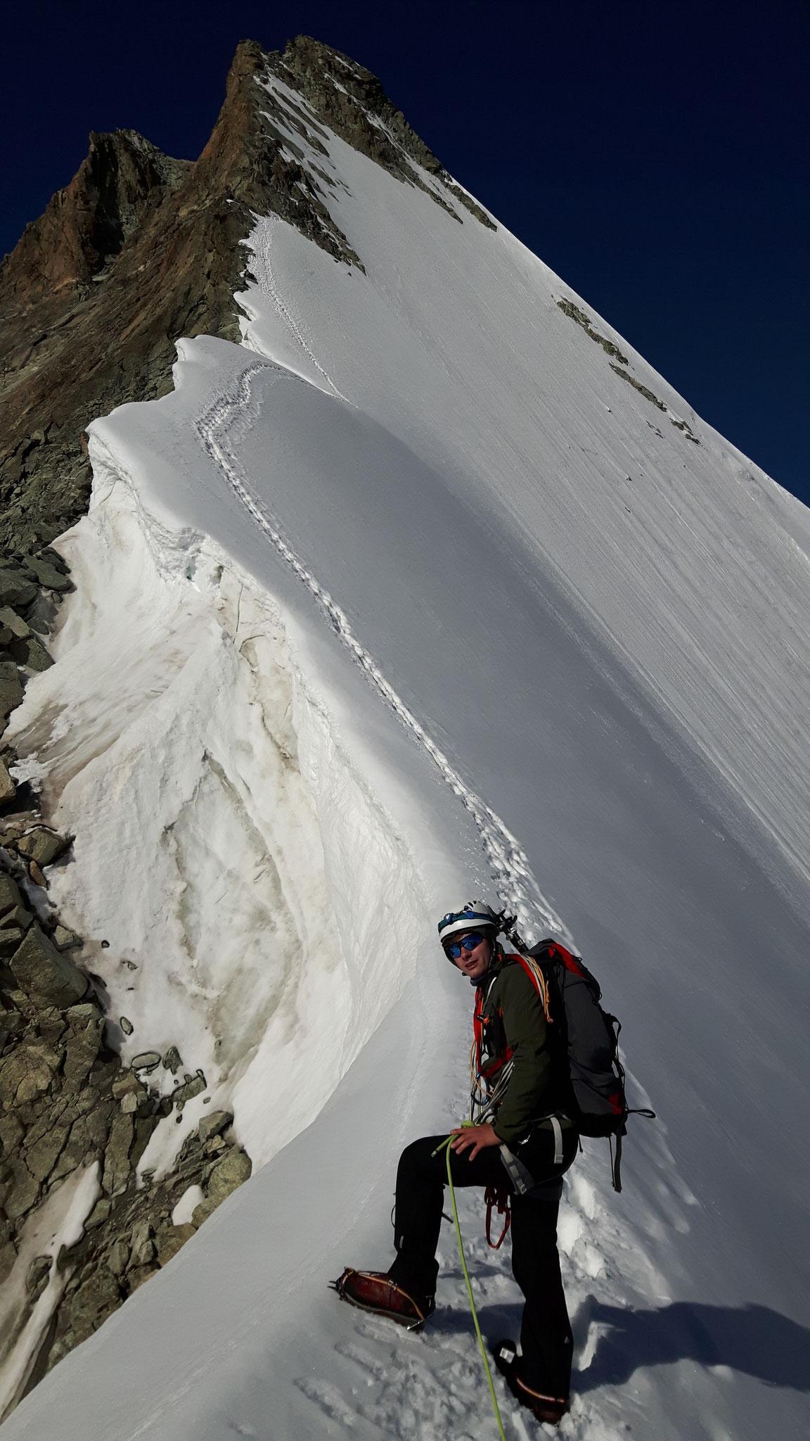 Firn-und Felsgrat zum Obergabelhorn-3900m