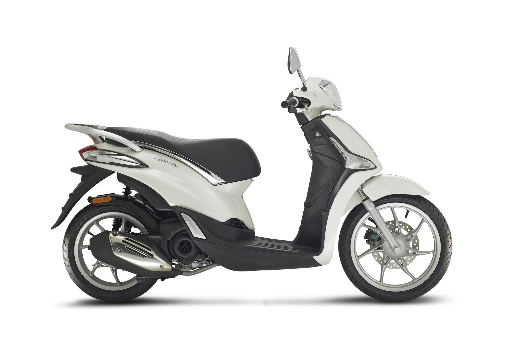 Piaggio Liberty 4t3v Iget Euro4 25/45 km/h wit: € 2609,- Voor meer informatie, klik op de foto.