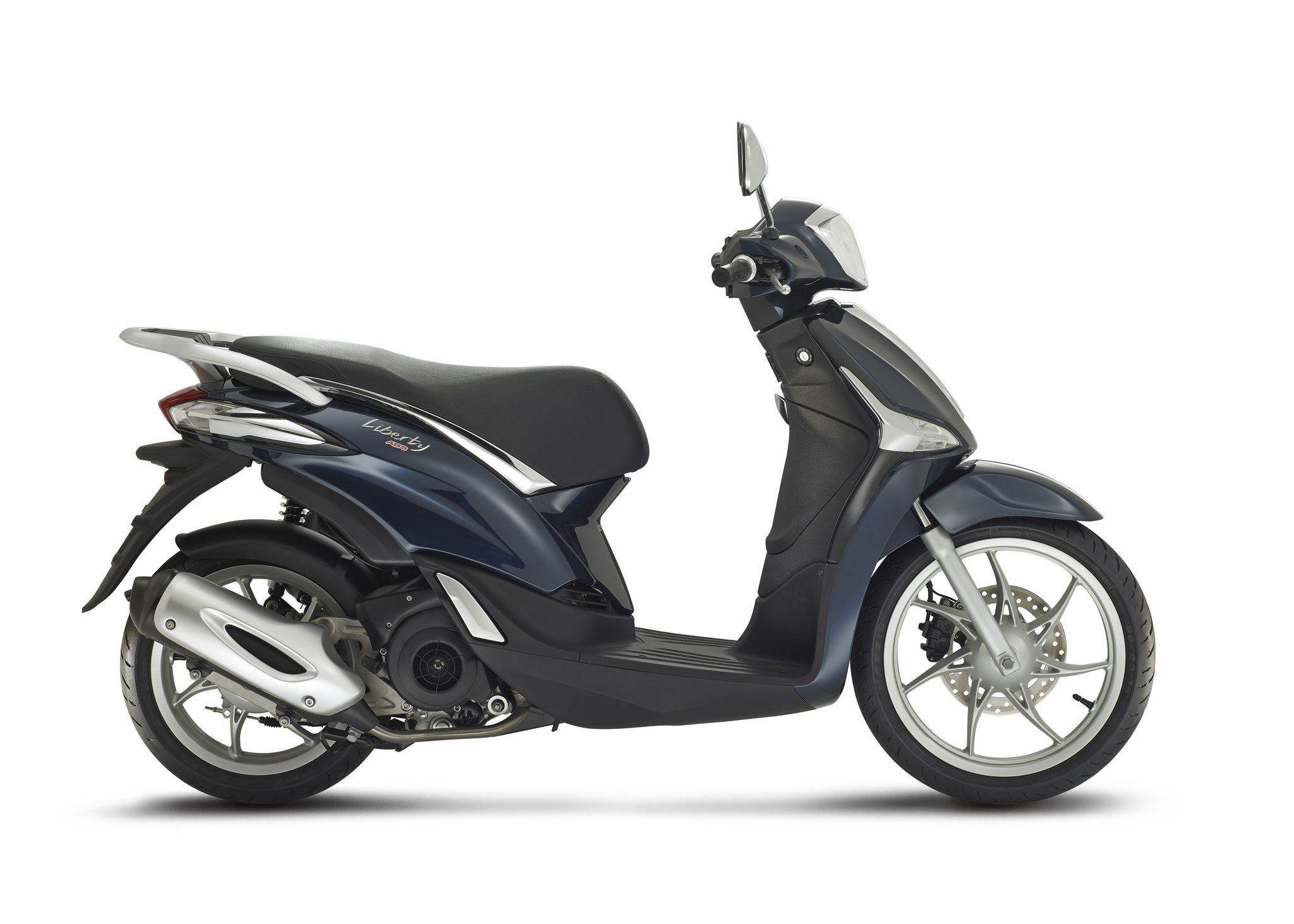 Piaggio Liberty 4t3v Iget Euro4 25/45 km/h d.blauw: € 2609,- Voor meer informatie, klik op de foto.