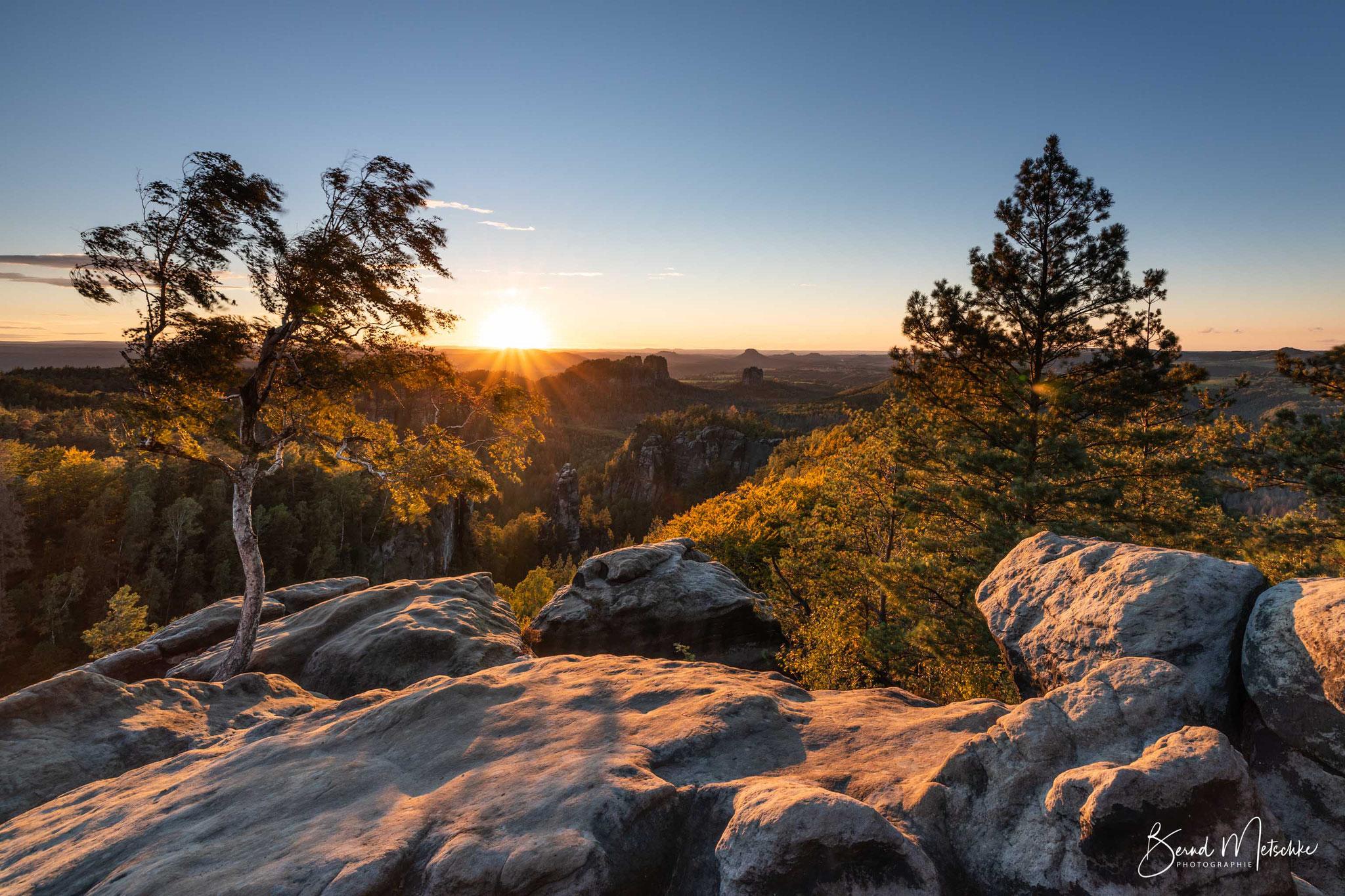 Die Aussicht vom Carolafelsen gehört zu den schönsten Plätzen in der Sächsischen Schweiz. > Hoher Torstein - Falkenstein - Lilienstein <