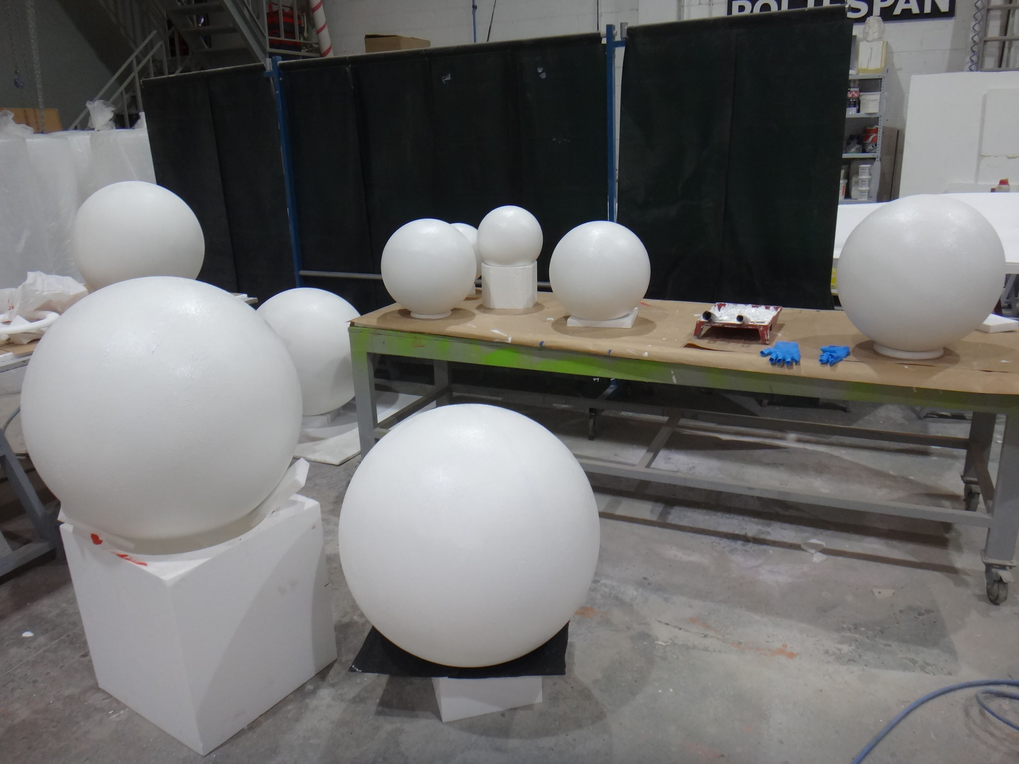 Esferas revestidas, para pintar planetas