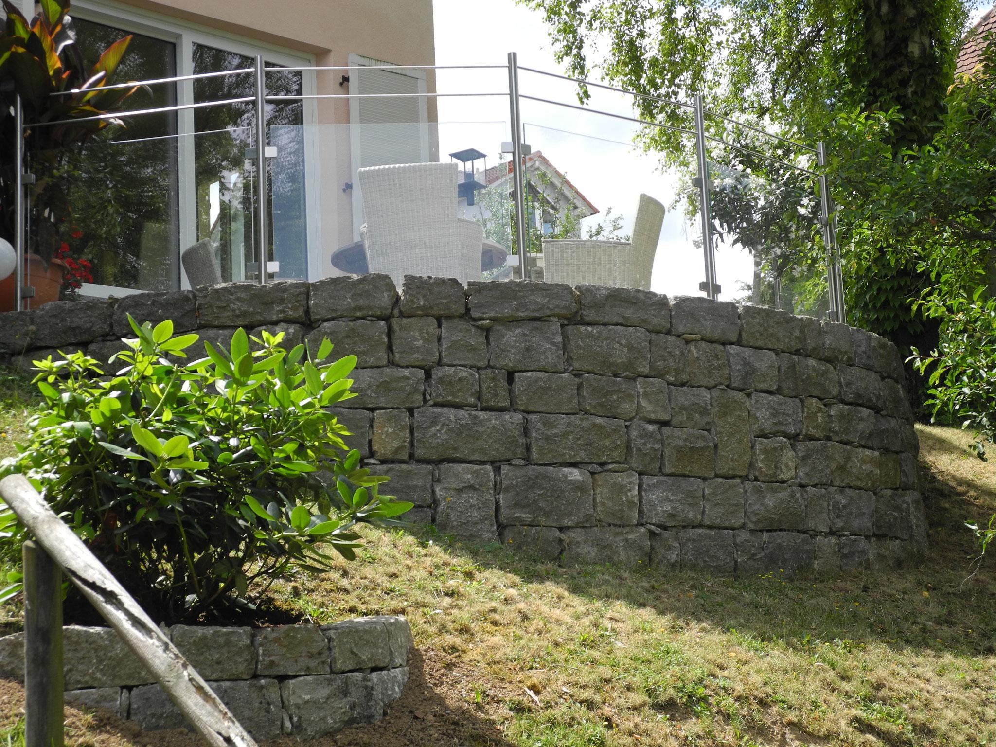 Trockenmauer Naturstein/Terrasse