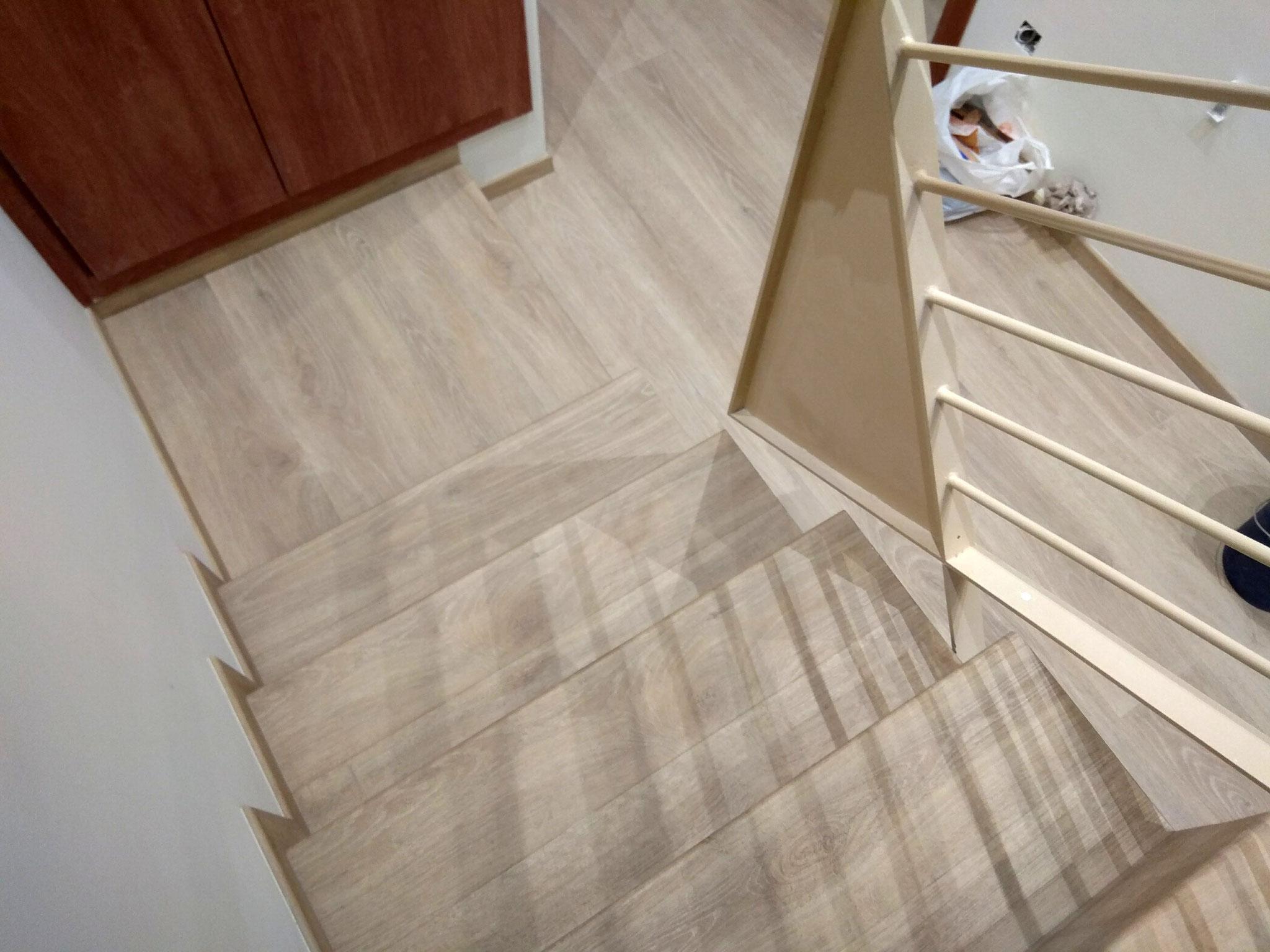 Escaleras detarima parquet for Escaleras de parquet