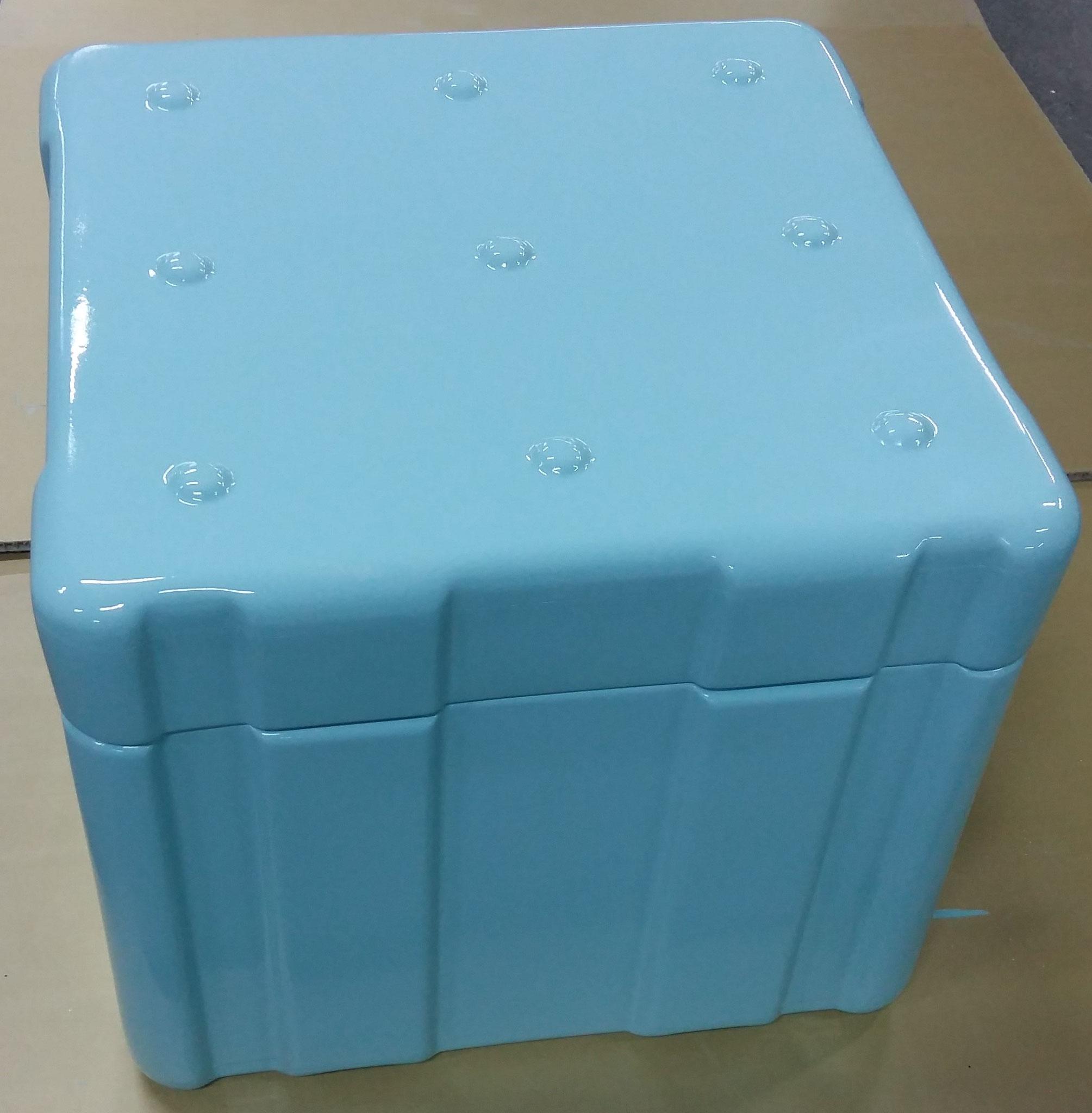 Caisse conteneur verre-polyester