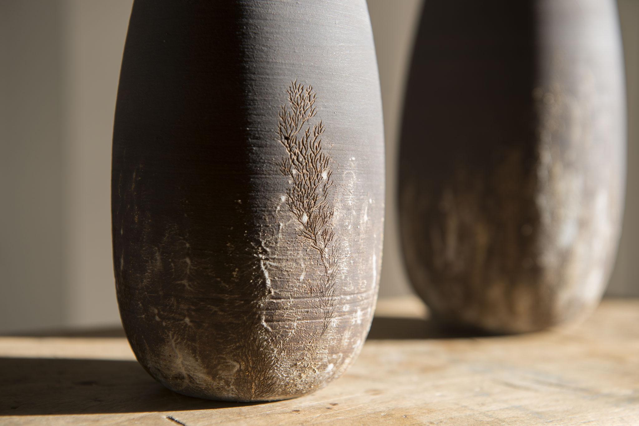 Vase en grès tourné - détail.